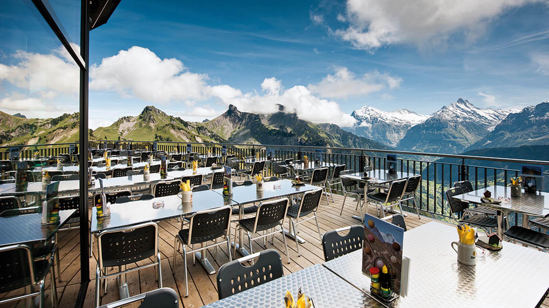 schynige-platte-bergrestaurant-terrasse-2