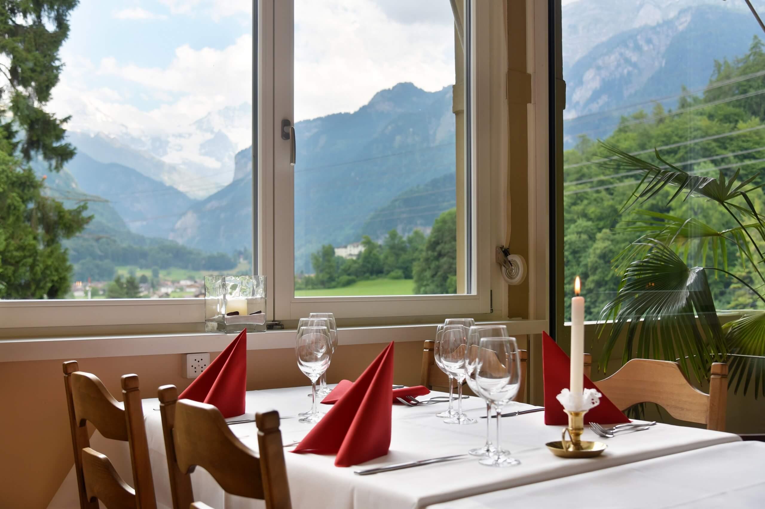 hotel-unspunnen-restaurant-aussicht