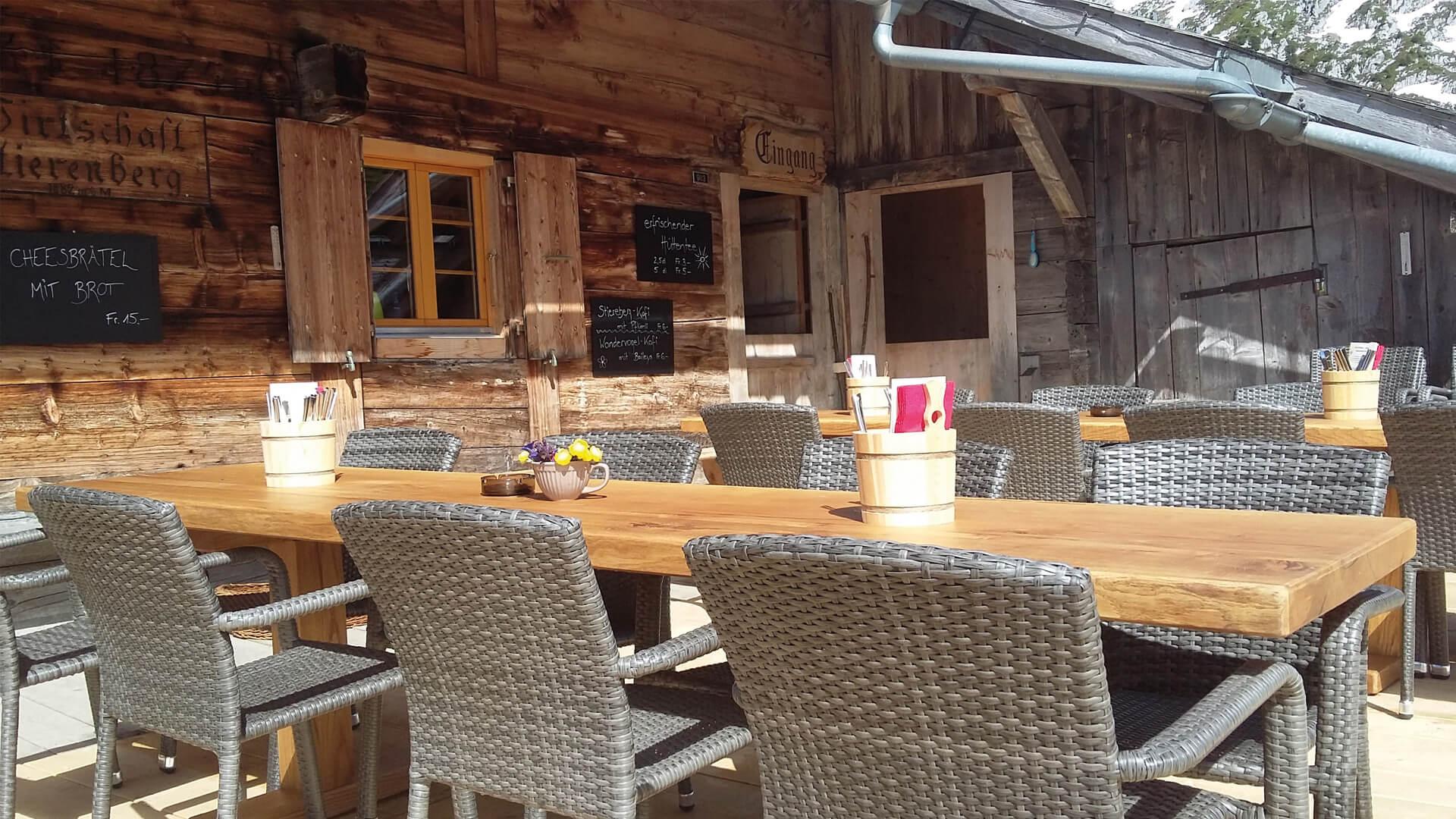 berggasthaus-stierenberg-terrasse