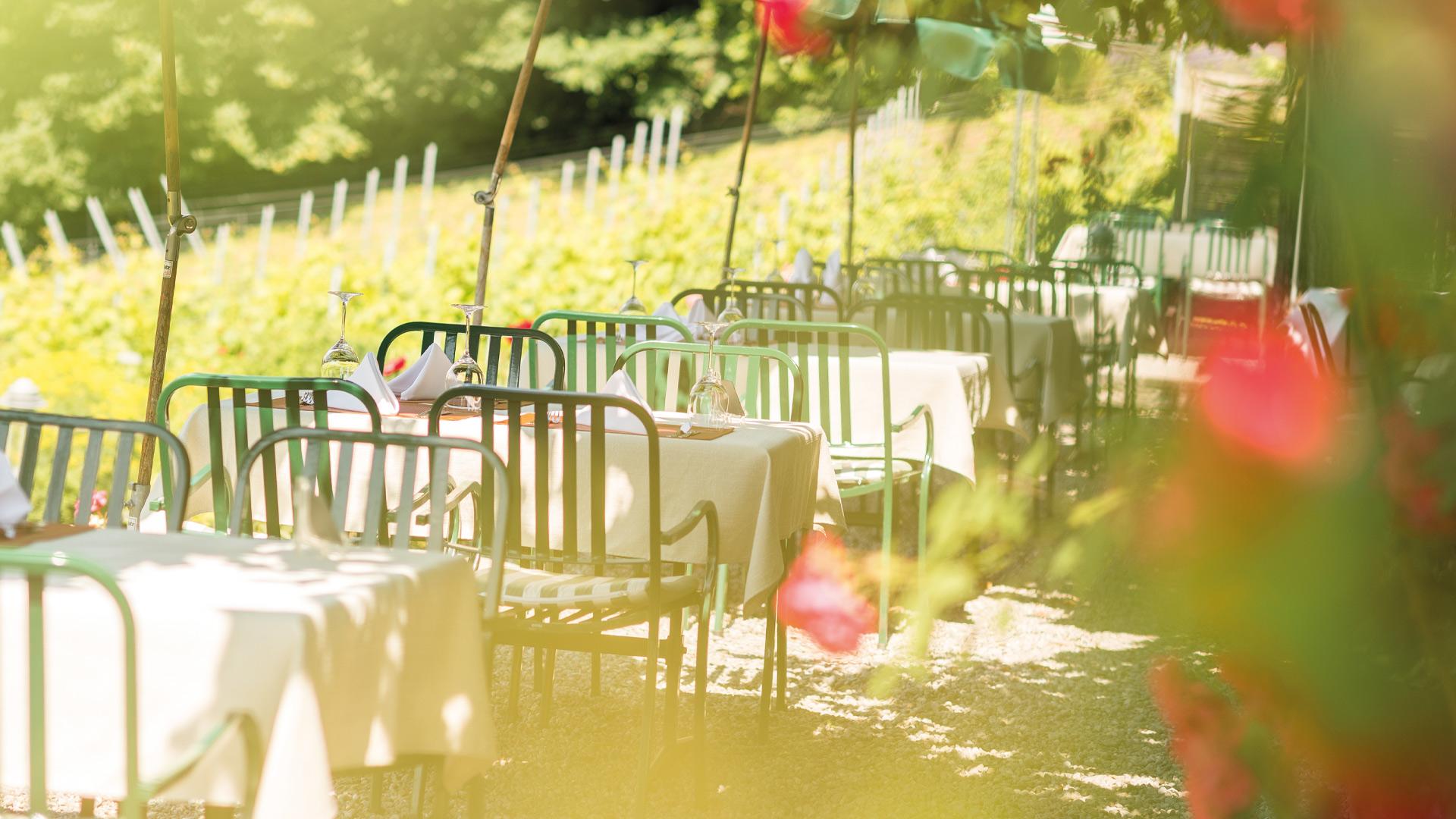 hotel-restaurant-schoenbuehl-terrasse