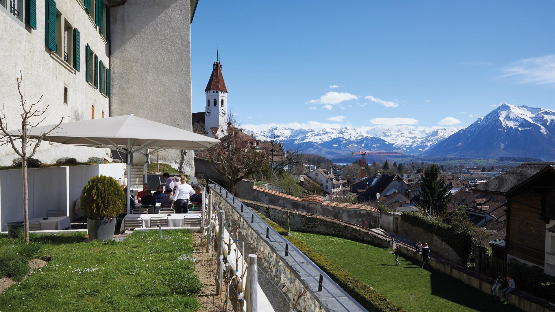 schlossberg-thun-terrasse