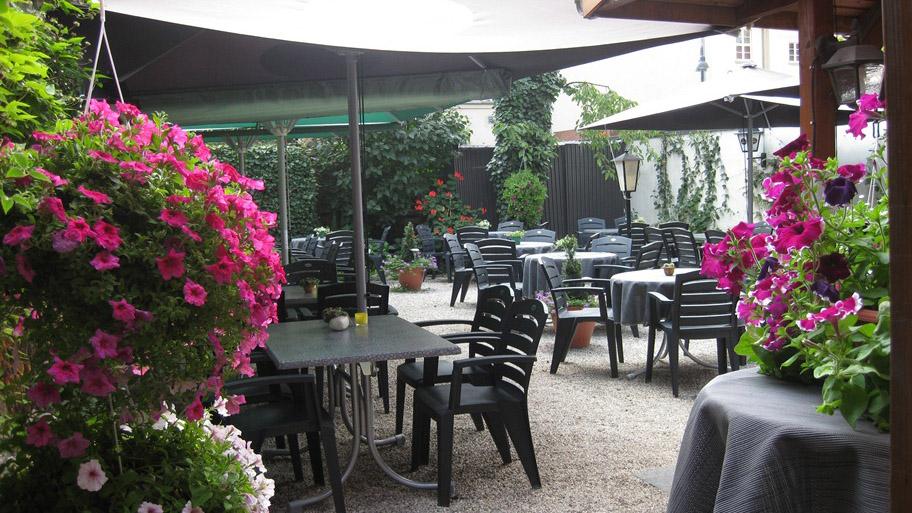 celle-restaurant-bierakademie-biergarten
