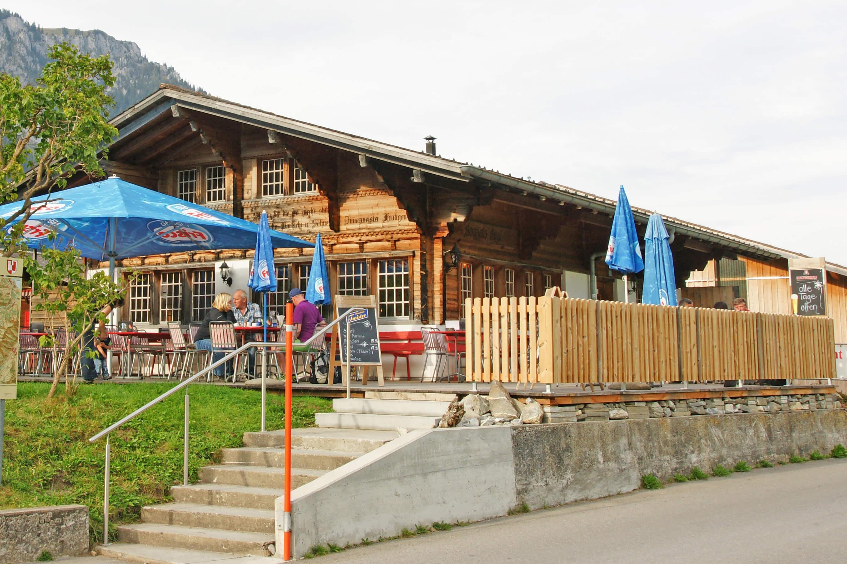 Aussenansicht Terrasse Sommer Restaurant Eggli