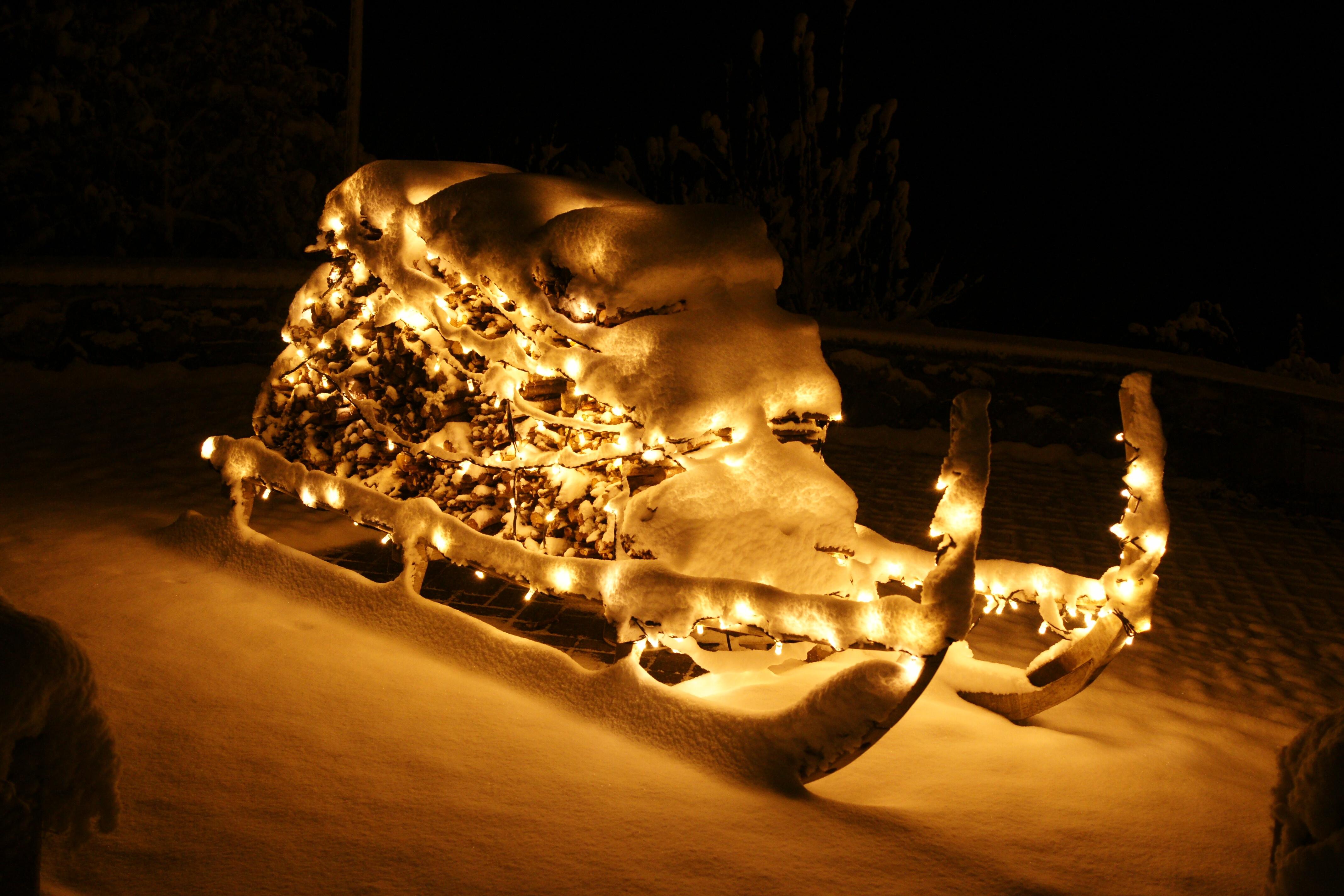Weihnachtsdeko Schlitten Schnee