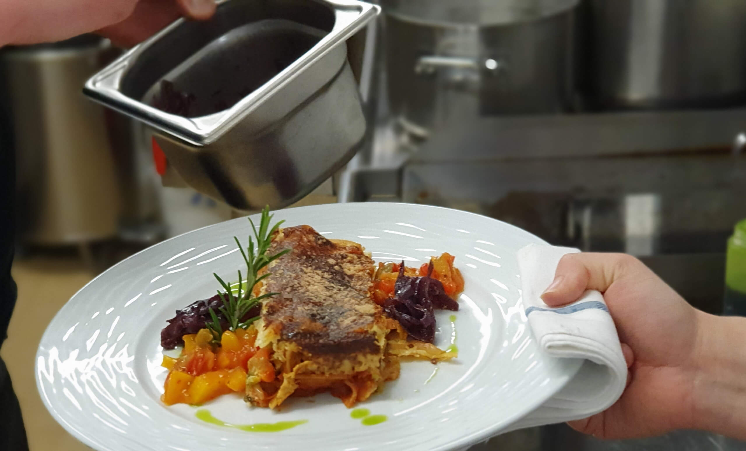 hotel-cafe-restaurant-rosengaertli-leissigen-gericht-kueche