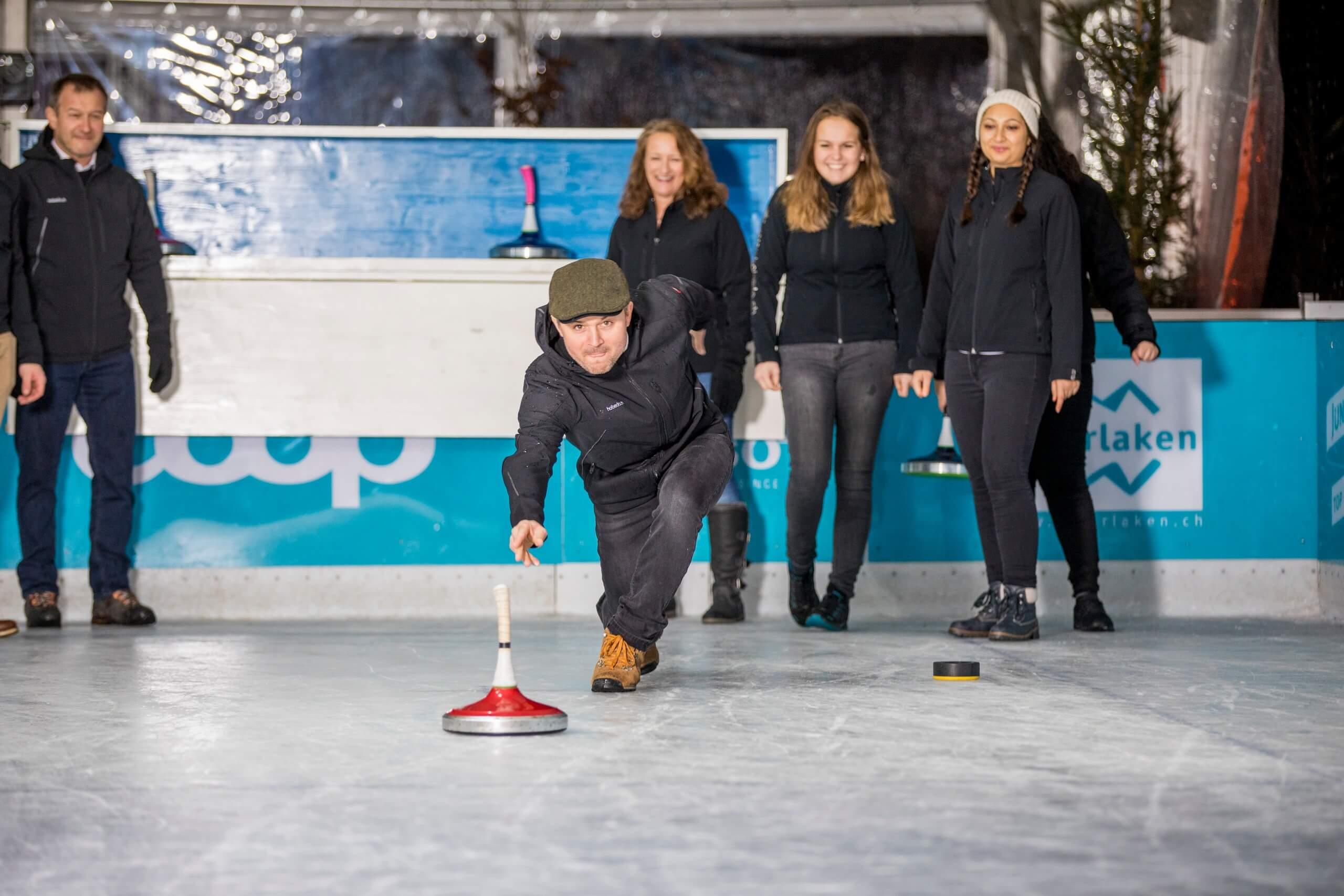 top-of-europe-ice-magic-interlaken-eisstockschiessen-winter-geschäftsausflug-kmu-vereine.jpg