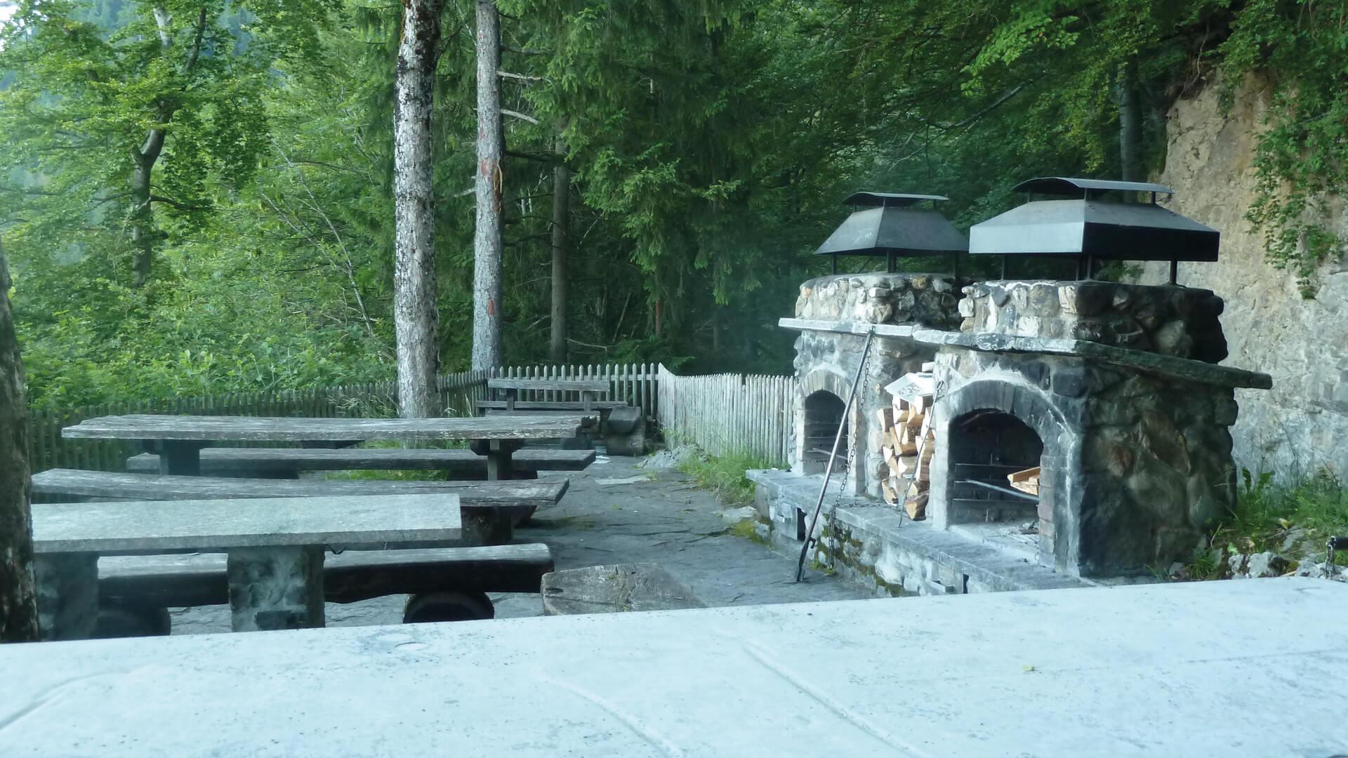sigriswil-braetliplatz-wyssental-sommer-feuerstellen