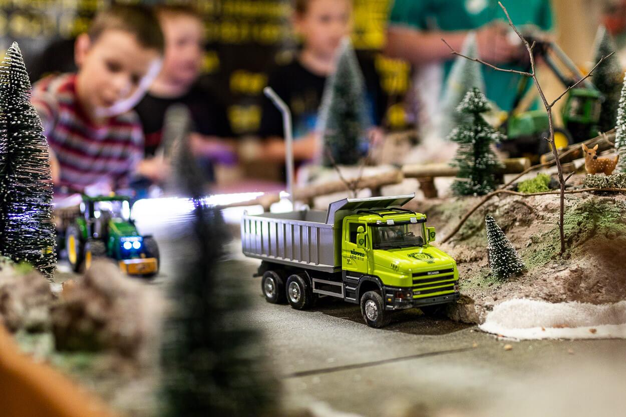 Ferngesteuertes Lastwagenmodell