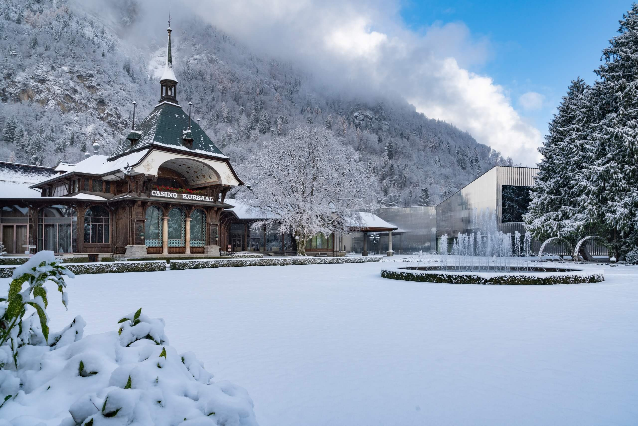 interlaken-kursaal-schnee-winter
