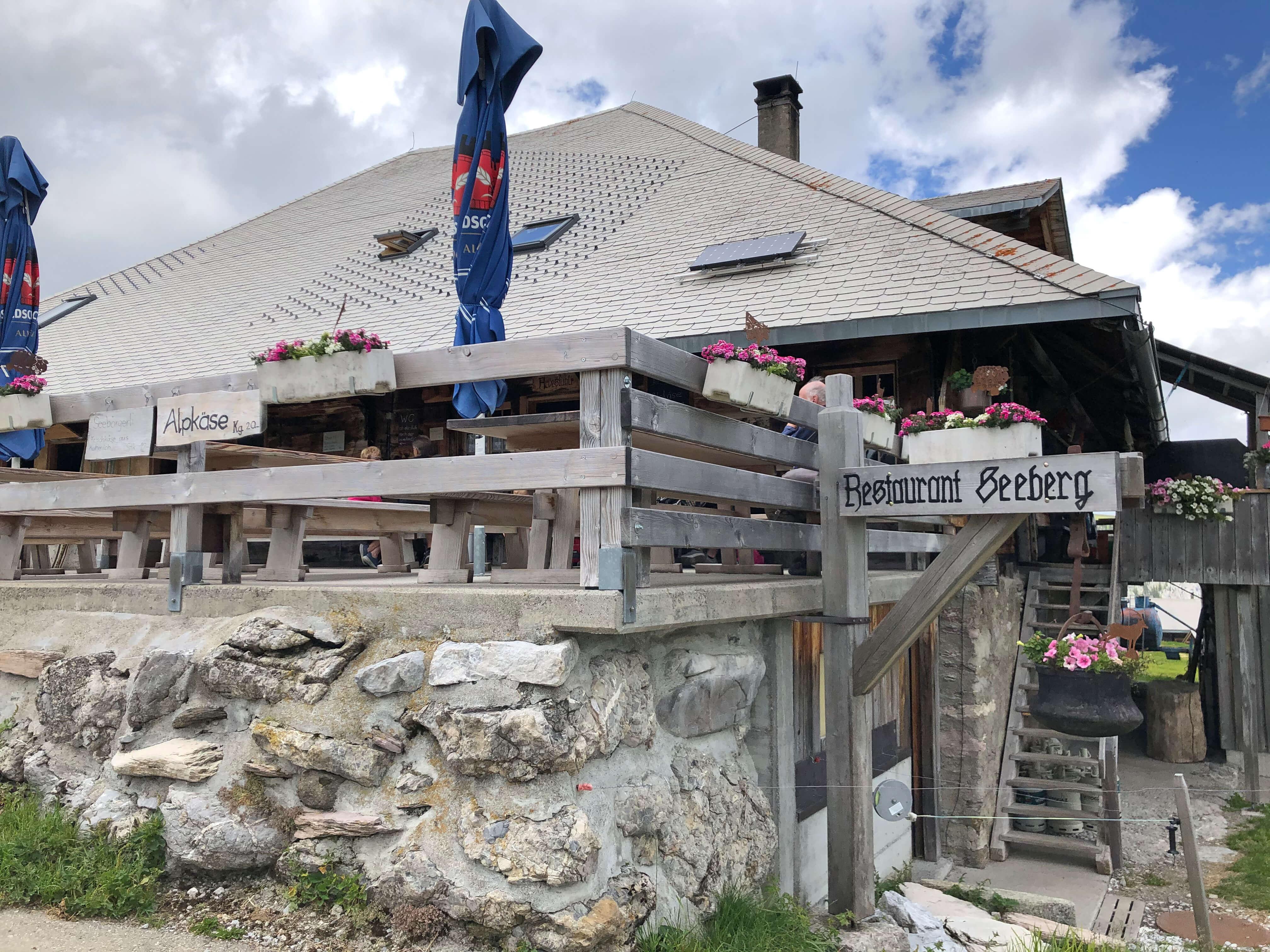 Aussenansicht Bergrestaurant Seeberg