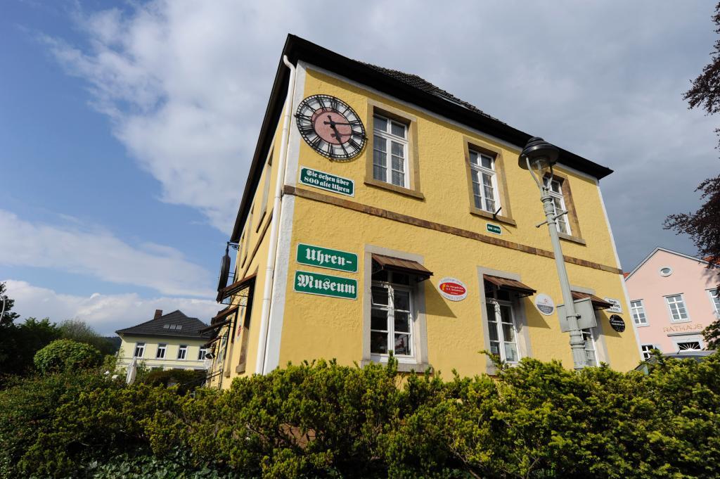 In Bad Iburg sollte man sich Zeit nehmen für das Uhrenmuseum, das viele Besonderheiten und Kuriositäten beherbergt