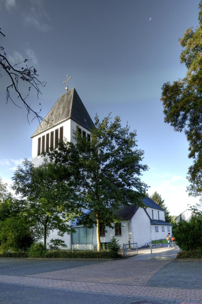 Kath. Kirche St. Heinrich 1