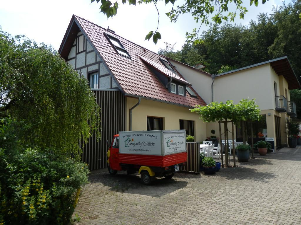 Außenansicht, Landgasthof Mücke in Marsberg