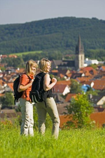 Wanderer im Naturpark Teutoburger Wald / Eggegebirge bei Bad Driburg