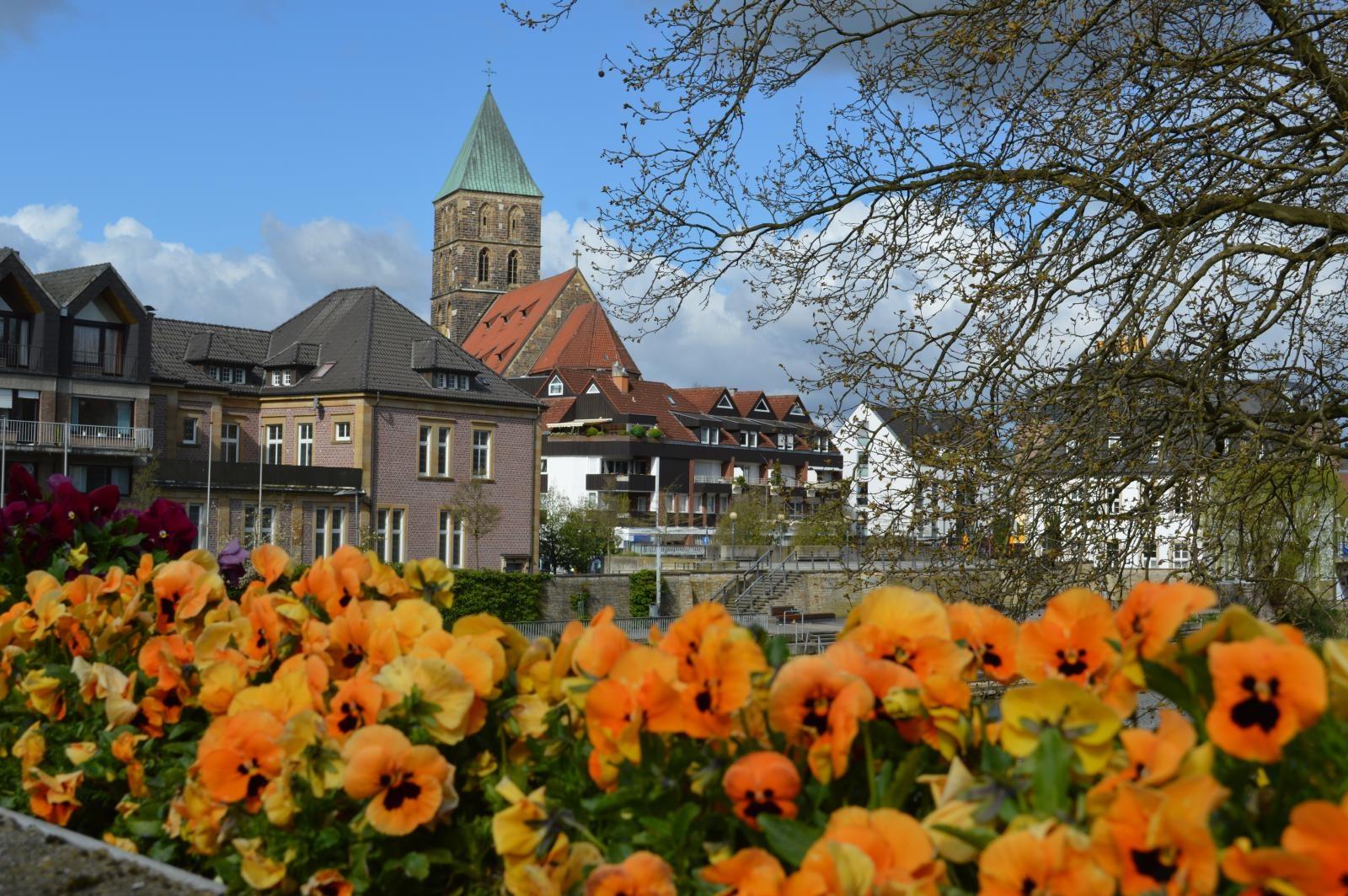 Blick von einer Emsbrück in Richtung historische Altstadt Rheine
