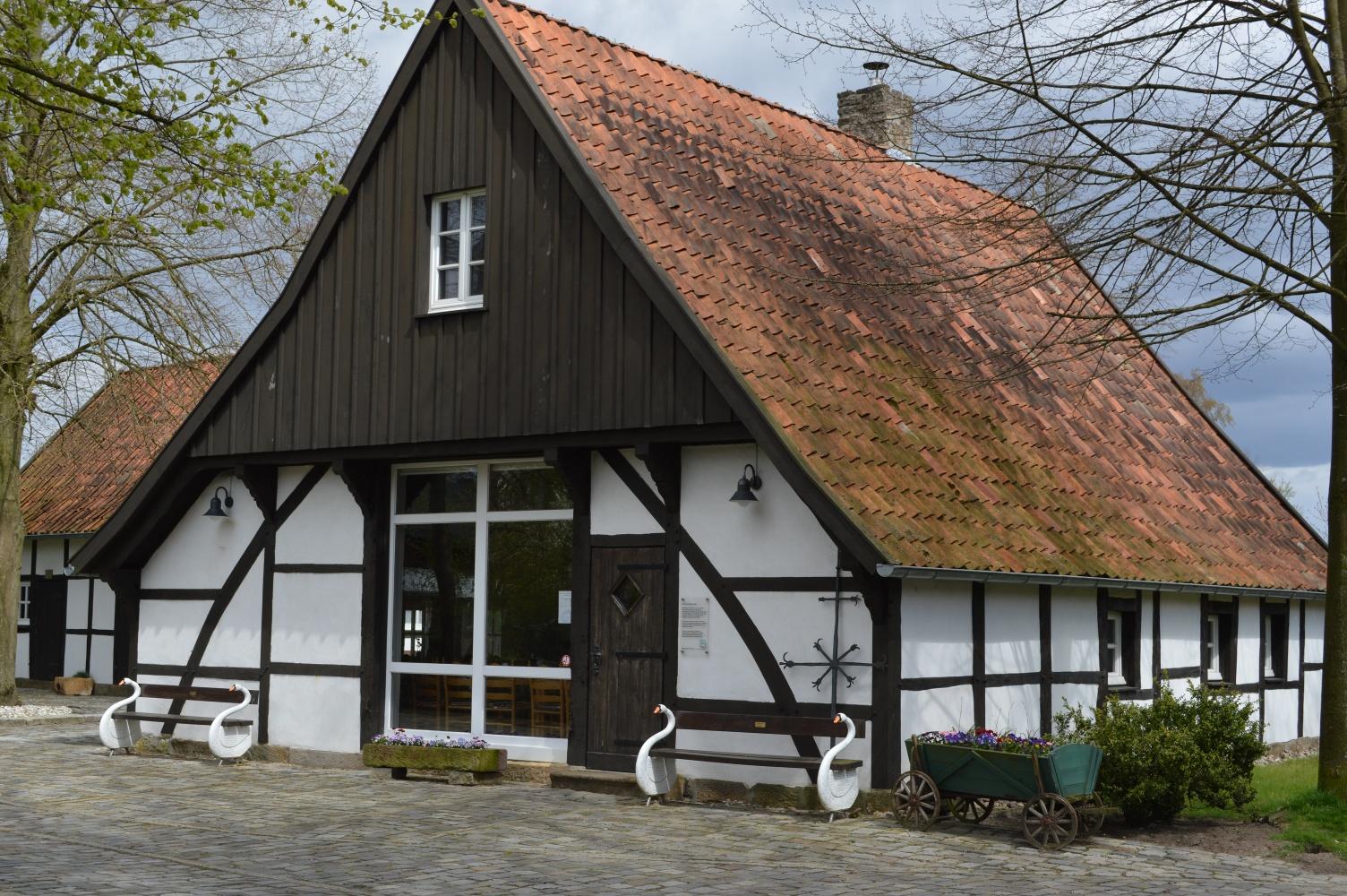 Heimathaus in Elte