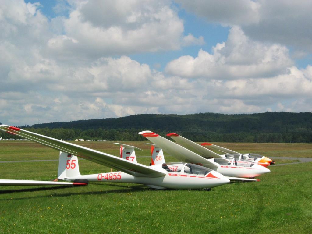Segelflieger auf Flugplatz Oerlinghausen