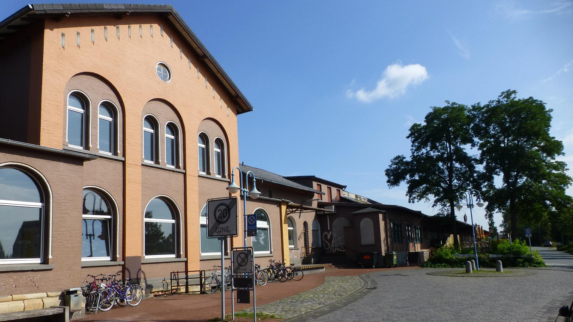 Der Bünder Bahnhof