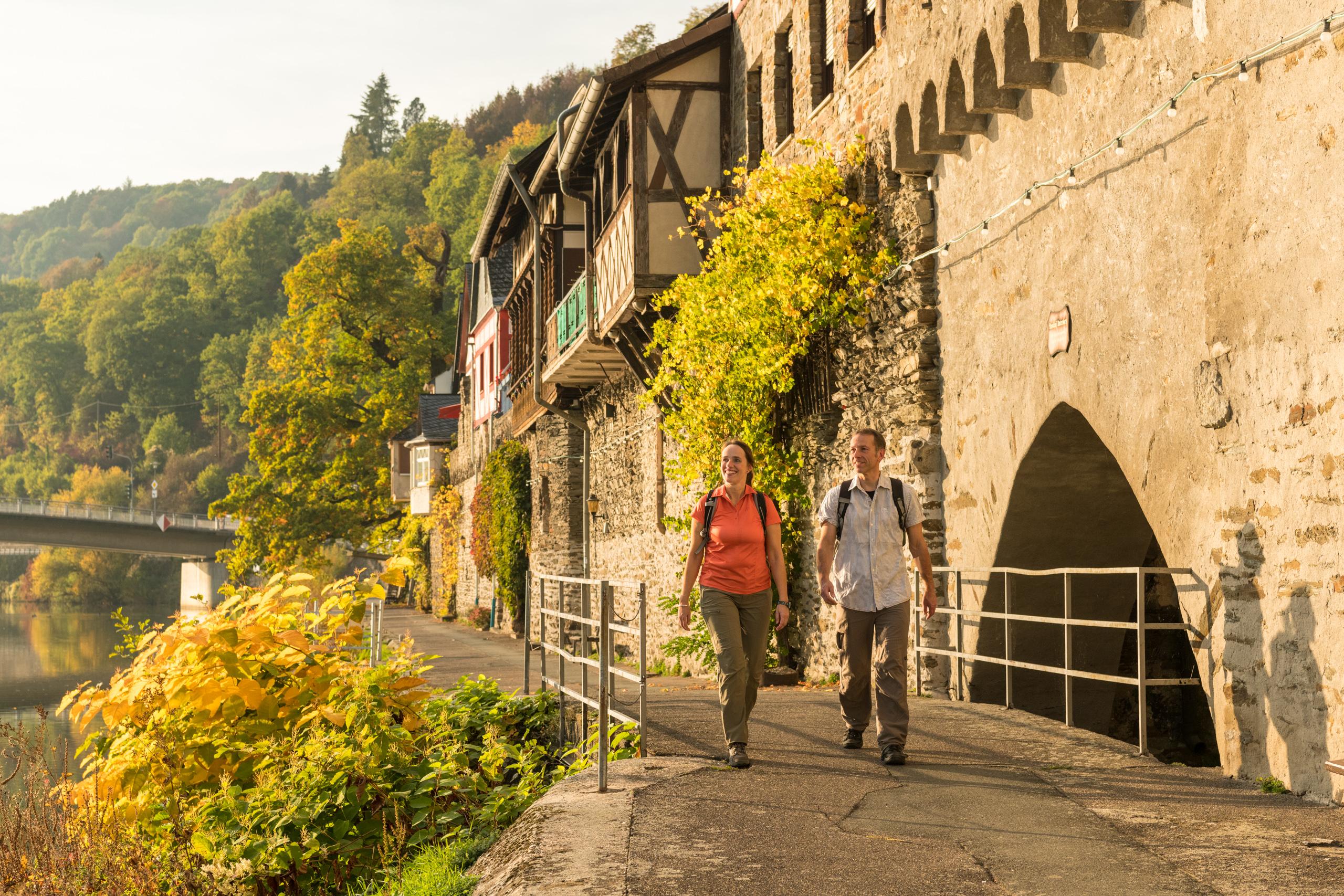 Entlang der mittelalterlichen Stadtmauer