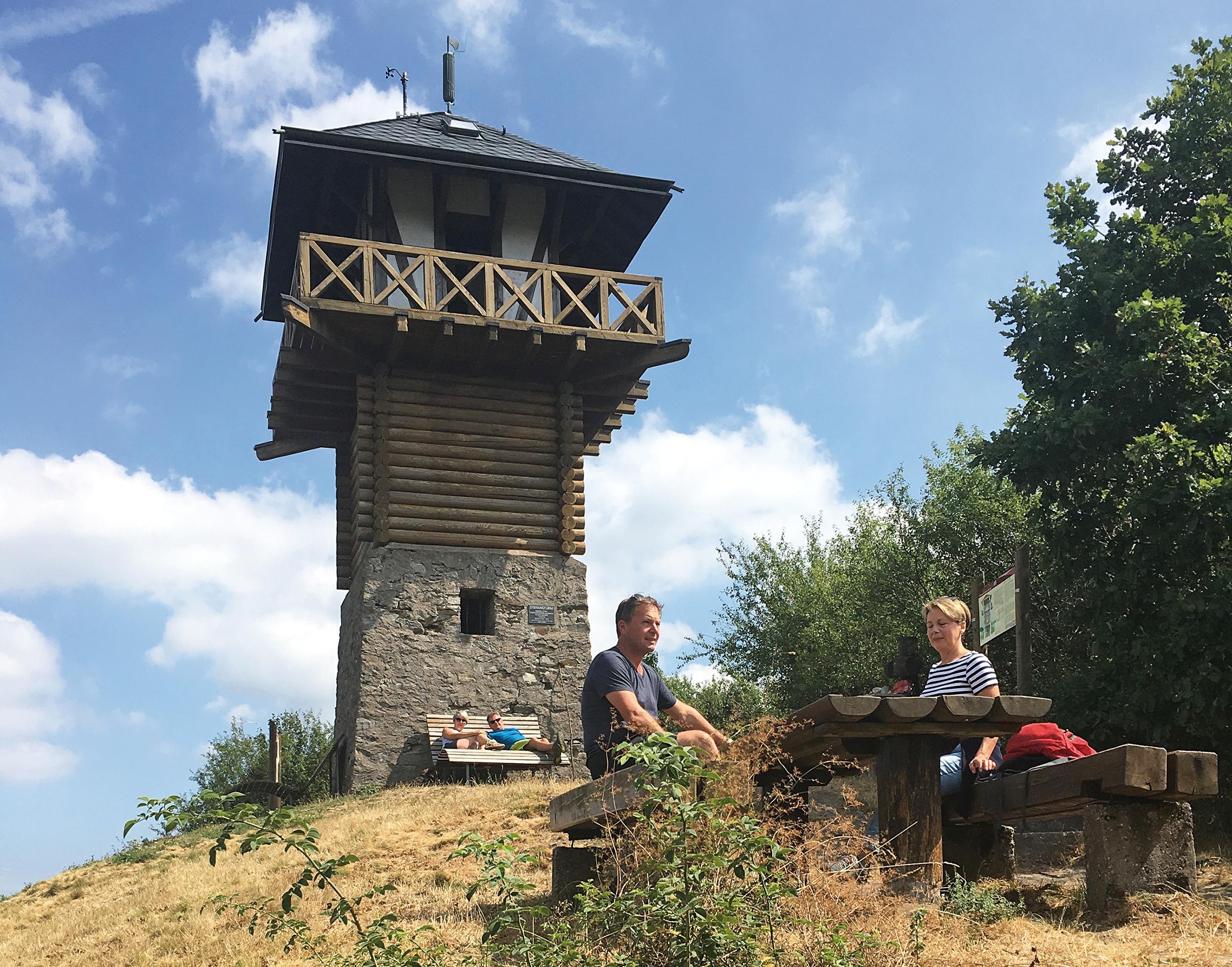 Rekonstruktion des Wachturms 1/84 am Limes