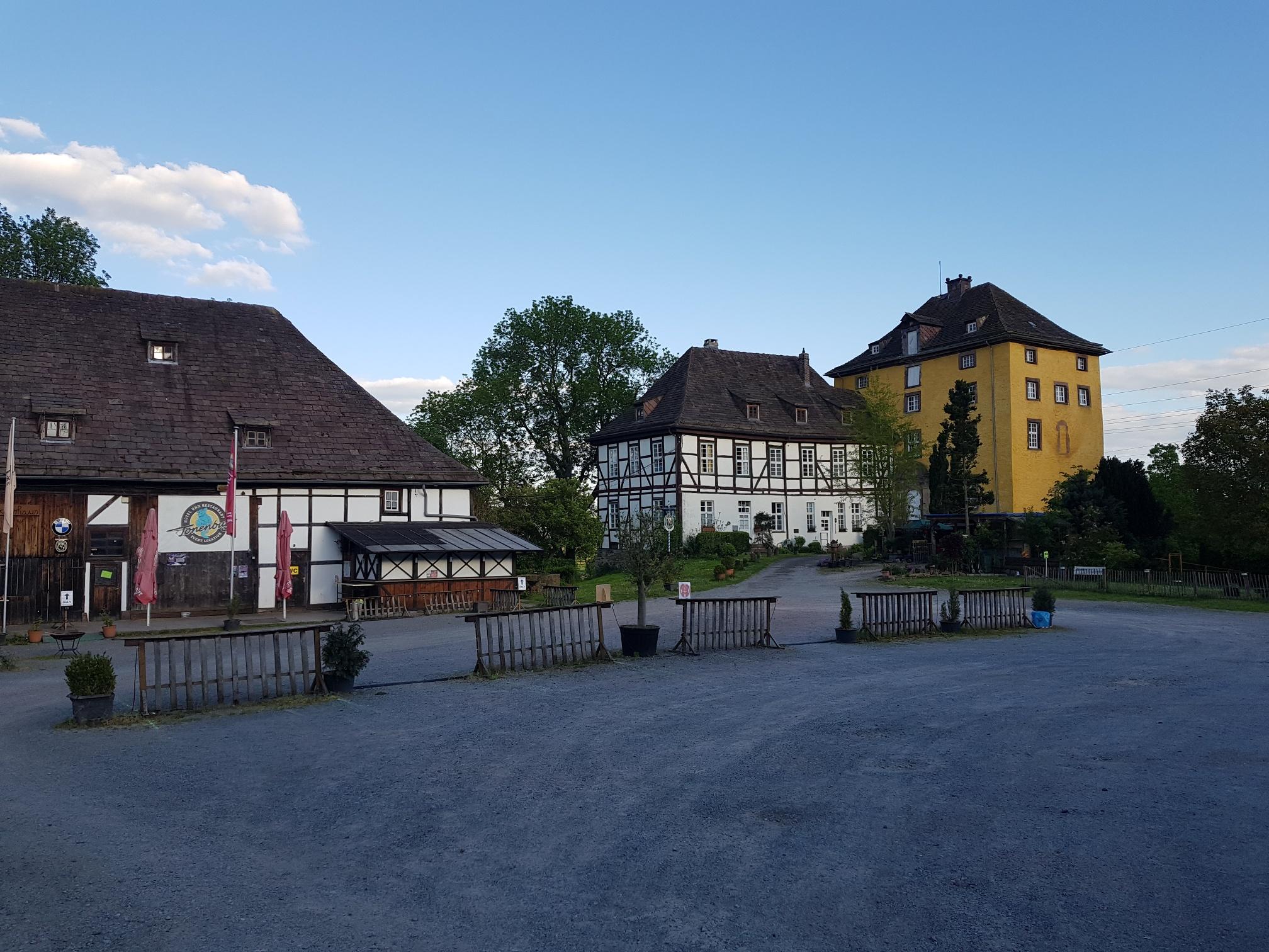 Tonenburg in Albaxen