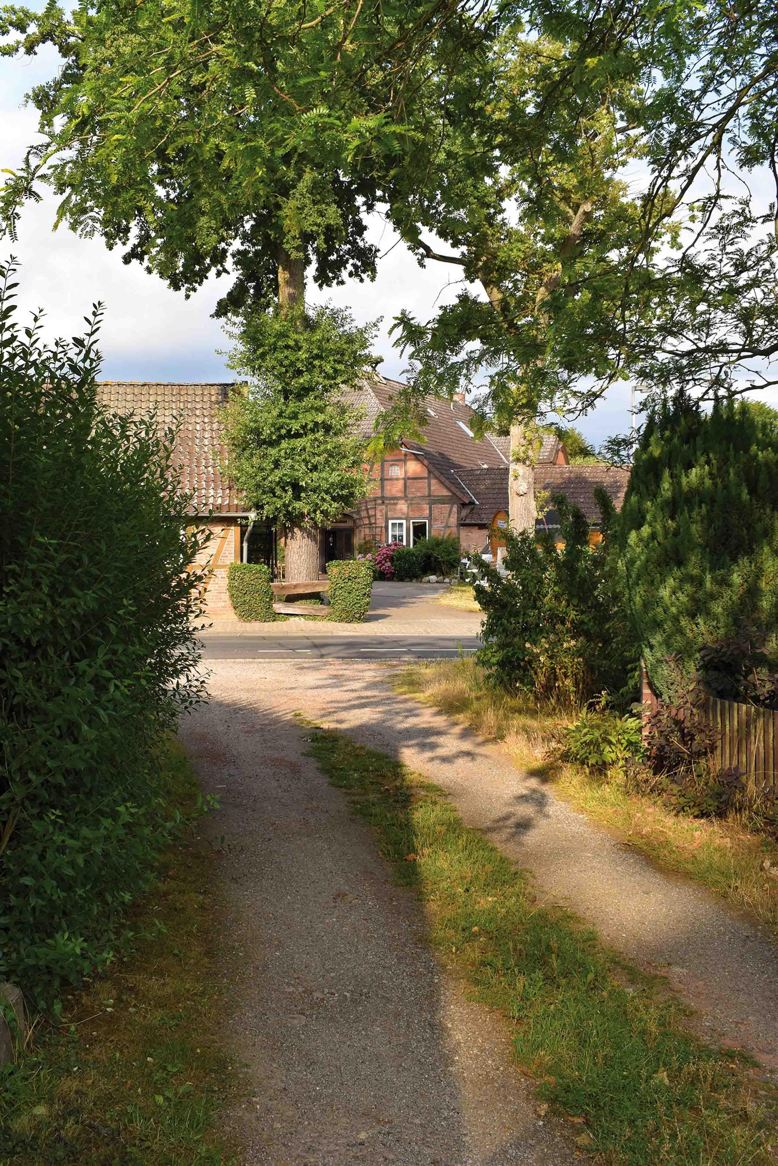 Malerische Heidehöfe in Altencelle