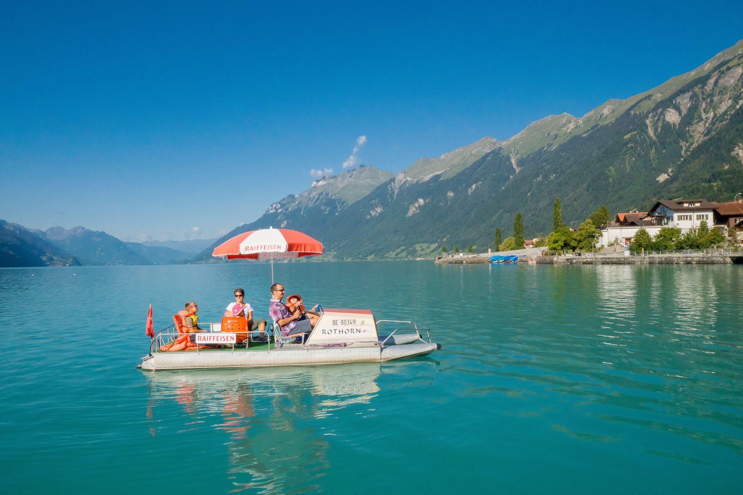 brienz-bootsvermietung-brienzersee-padelboot-sommer-schwimmen