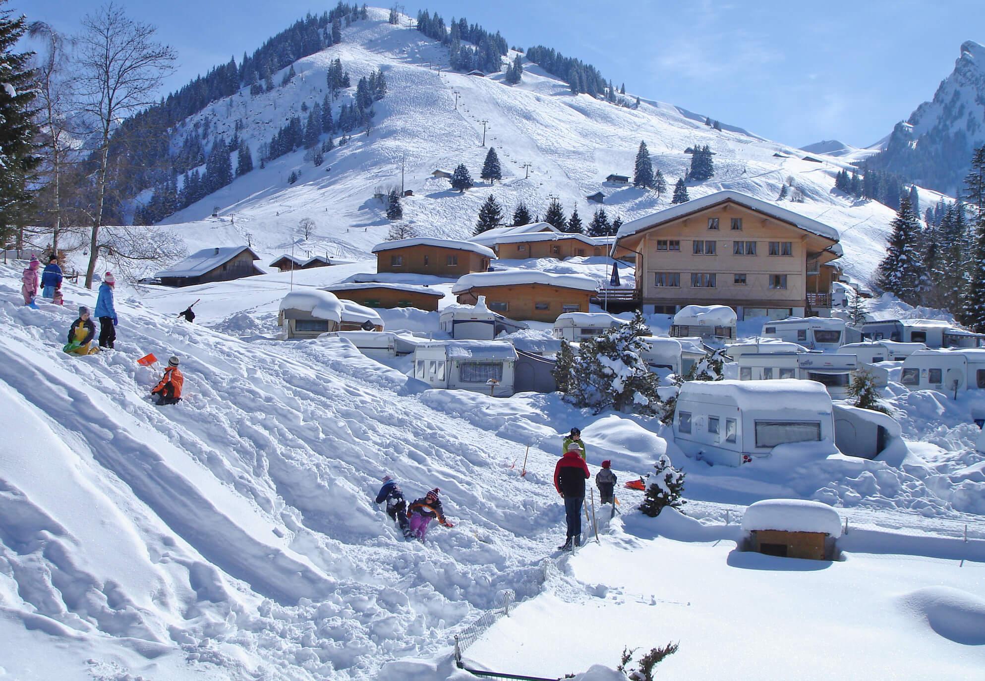 Camping Winter Camper Sessbahn Skifahren