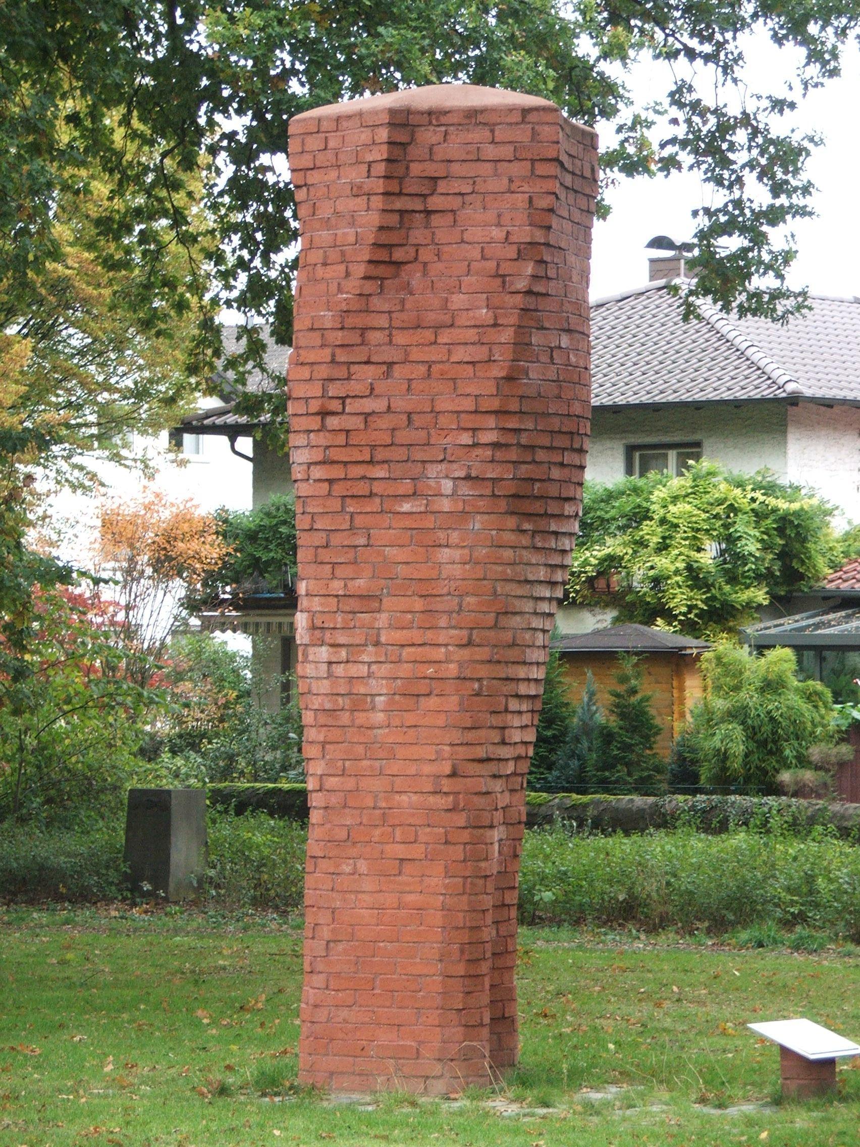 Stele im Friedenpark