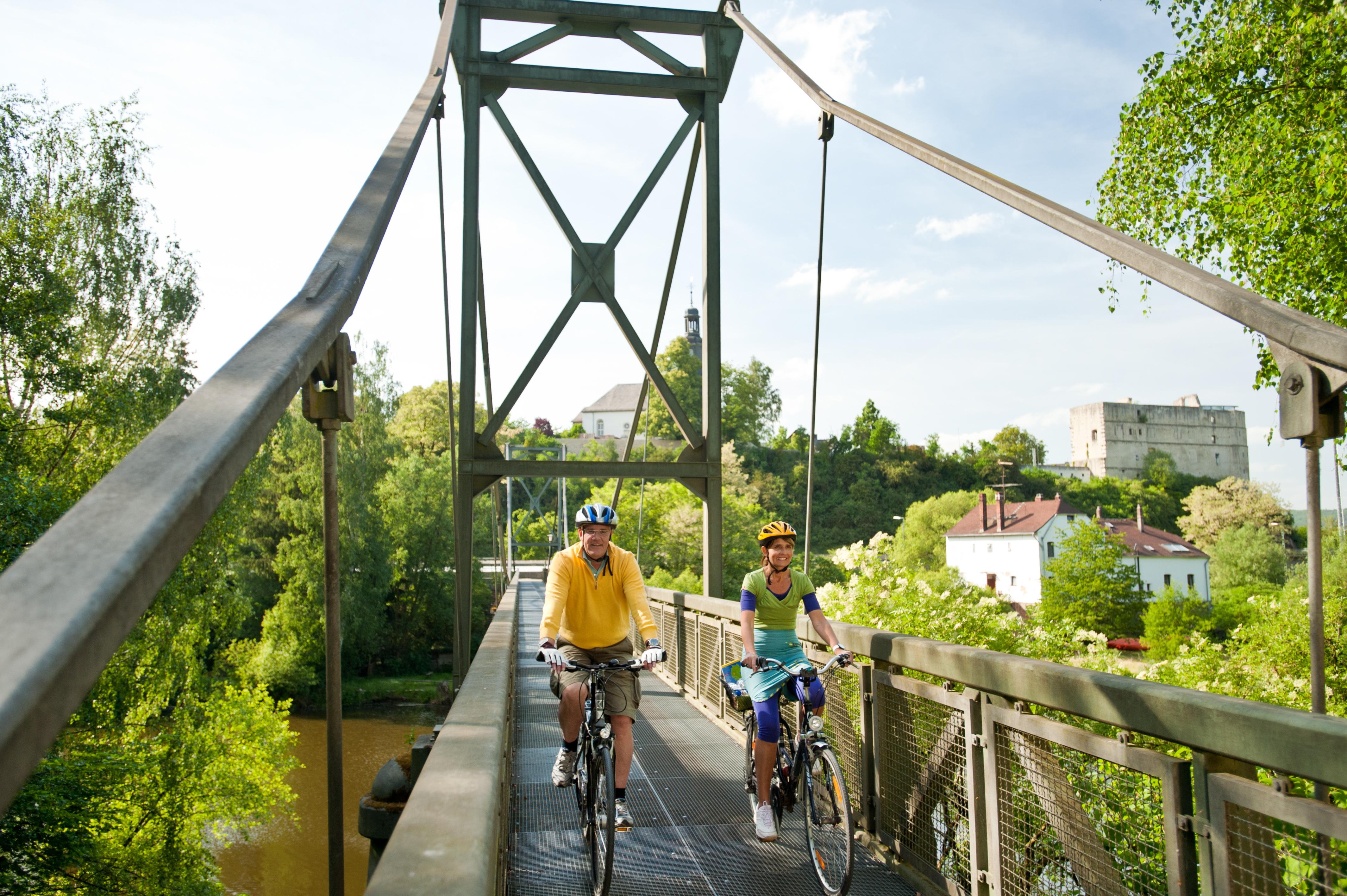 Brücke über die Lahn - eine von vielen schönen.