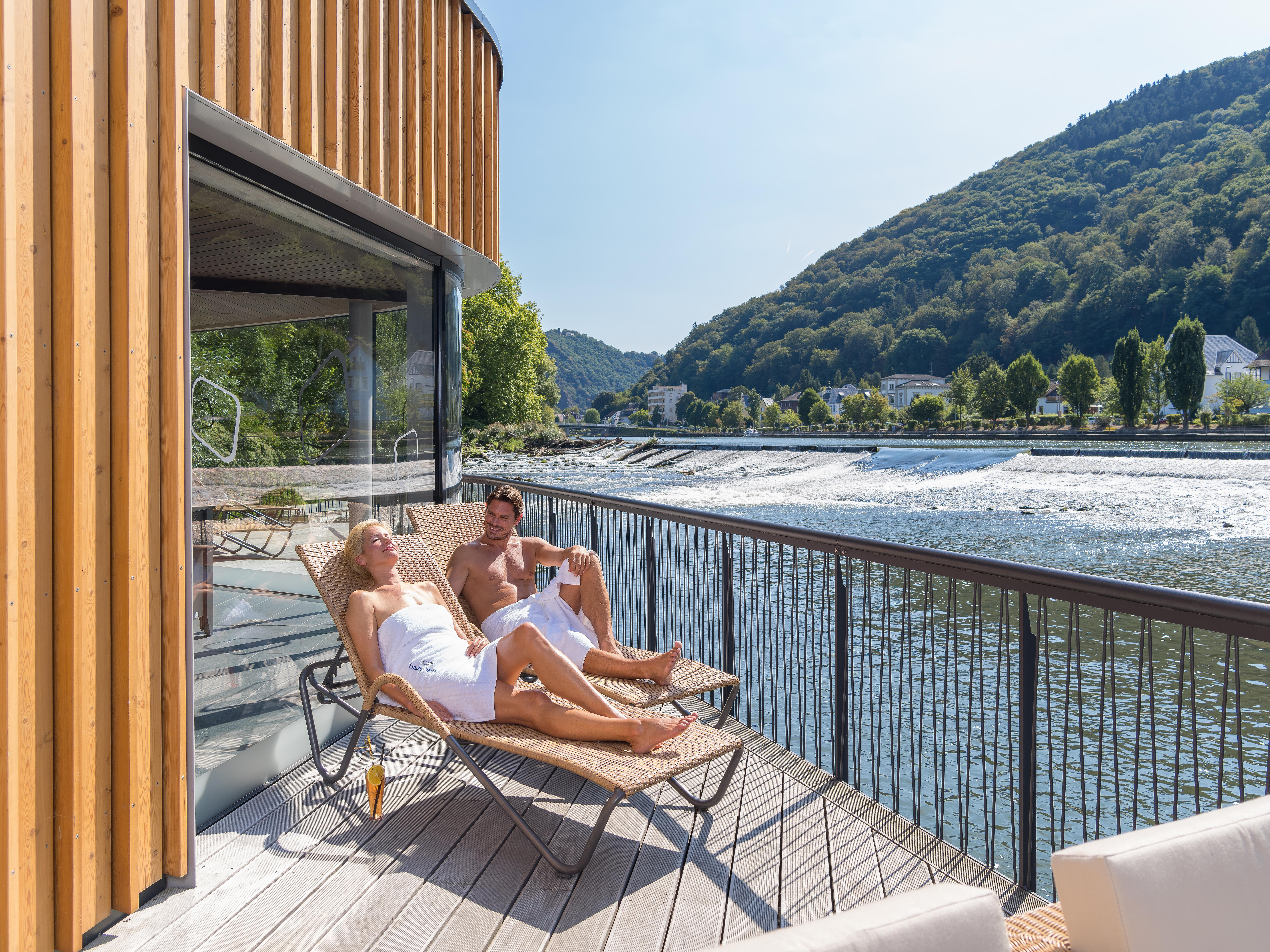 Deutschlands erste schwimmende Fluss-Sauna!