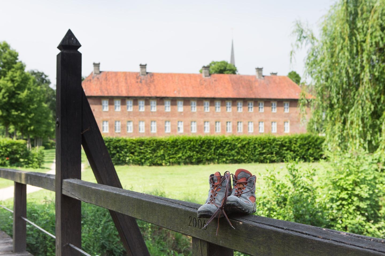 Blick auf den Garten der Klosteranlage Clarholz