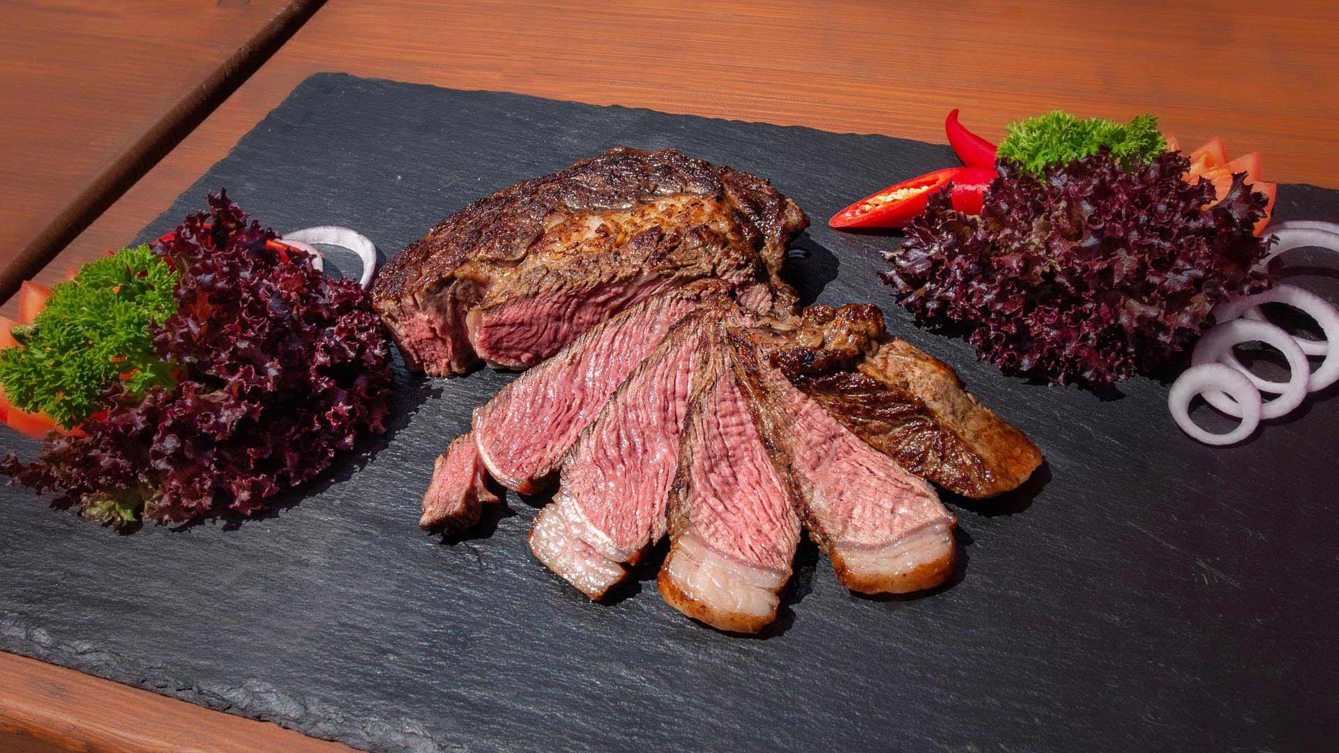 stocks-muelenen-essen-fleisch