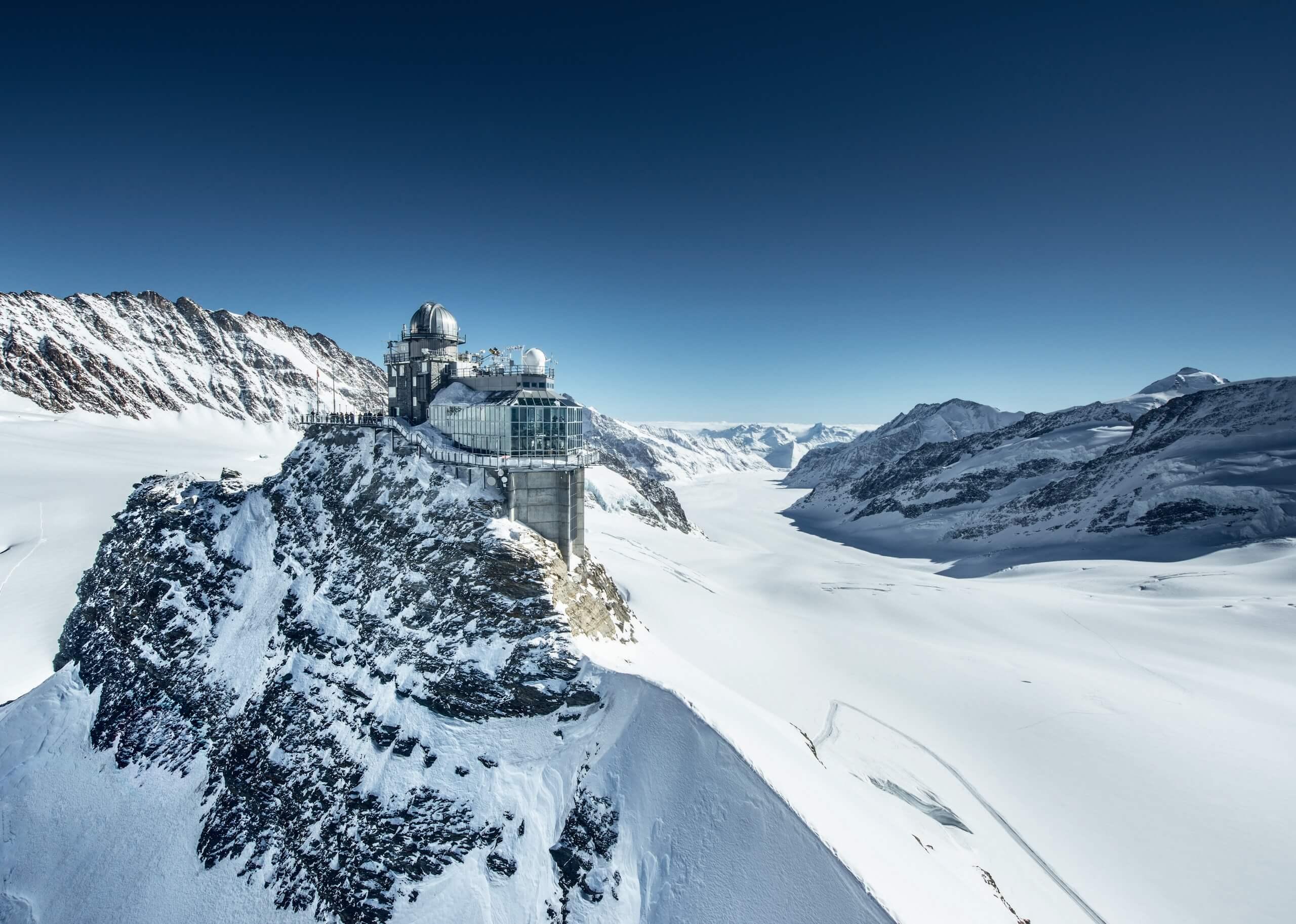 jungfraujoch-winter-dunkelblau-winterausfluege