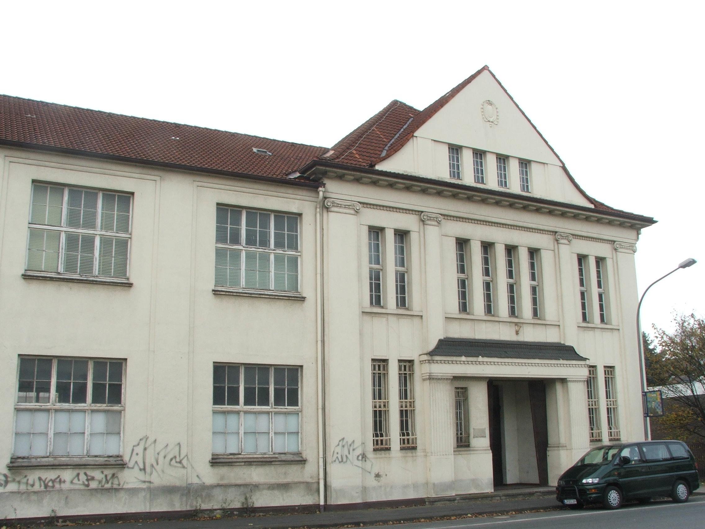 Friedrich-Ebert-Straße 4