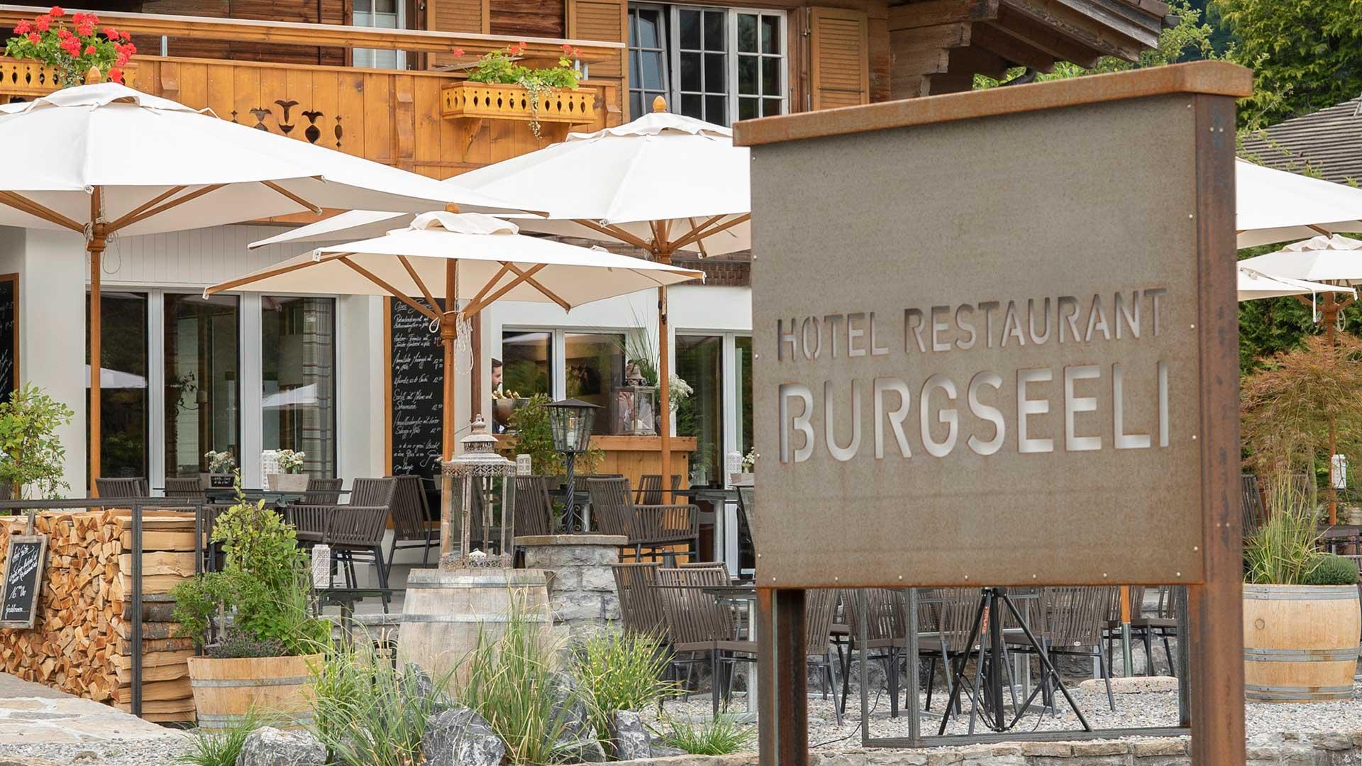 hotel-restaurant-burgseeli-tafel-terrasse