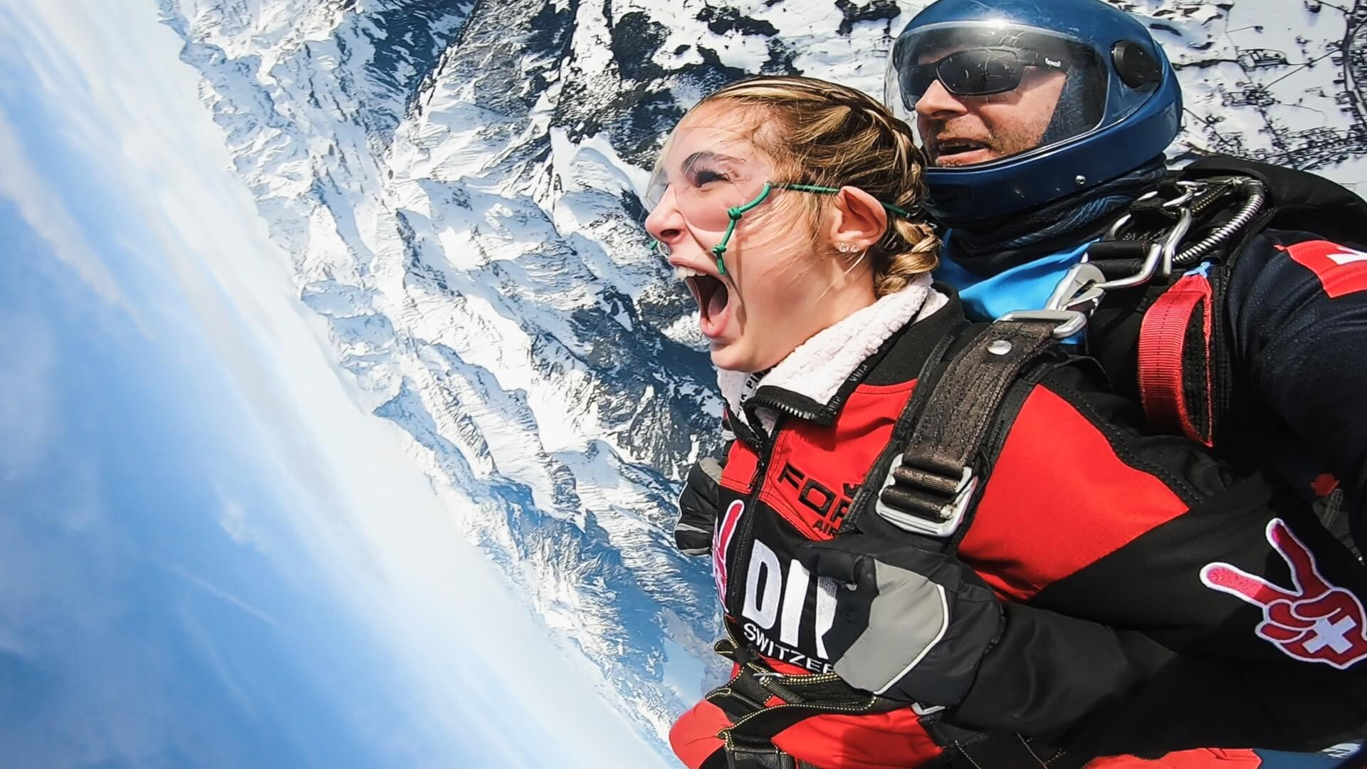 skydive-switzerland-sprung-winter-upsidedown