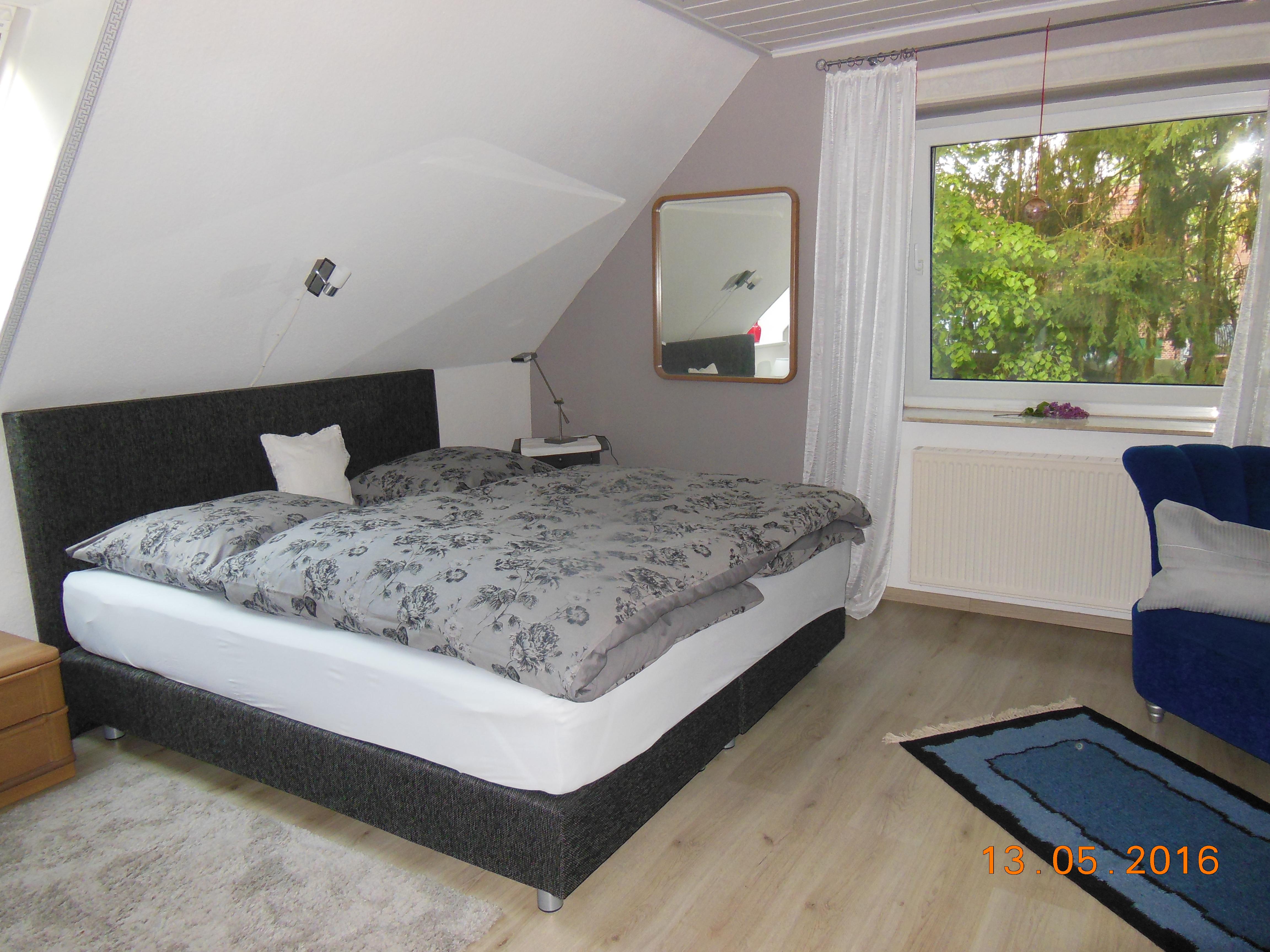 Schlafzimmer Wohnung oben