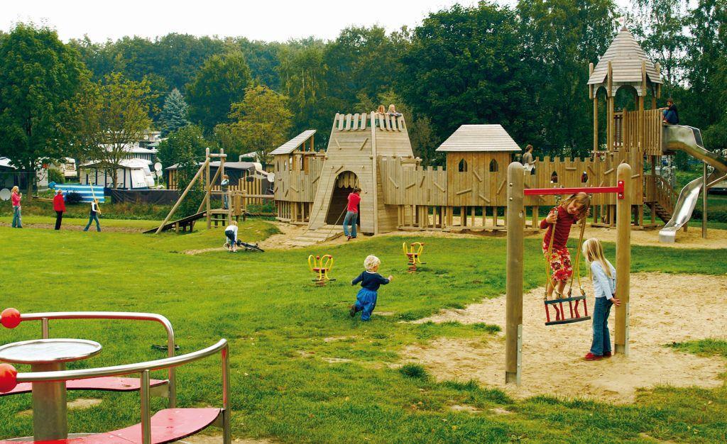 Ferienanlage Regenbogen: Spielplatz