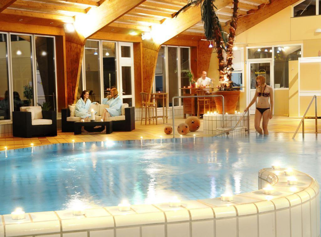 Ferienanlage Regenbogen: Schwimmbad