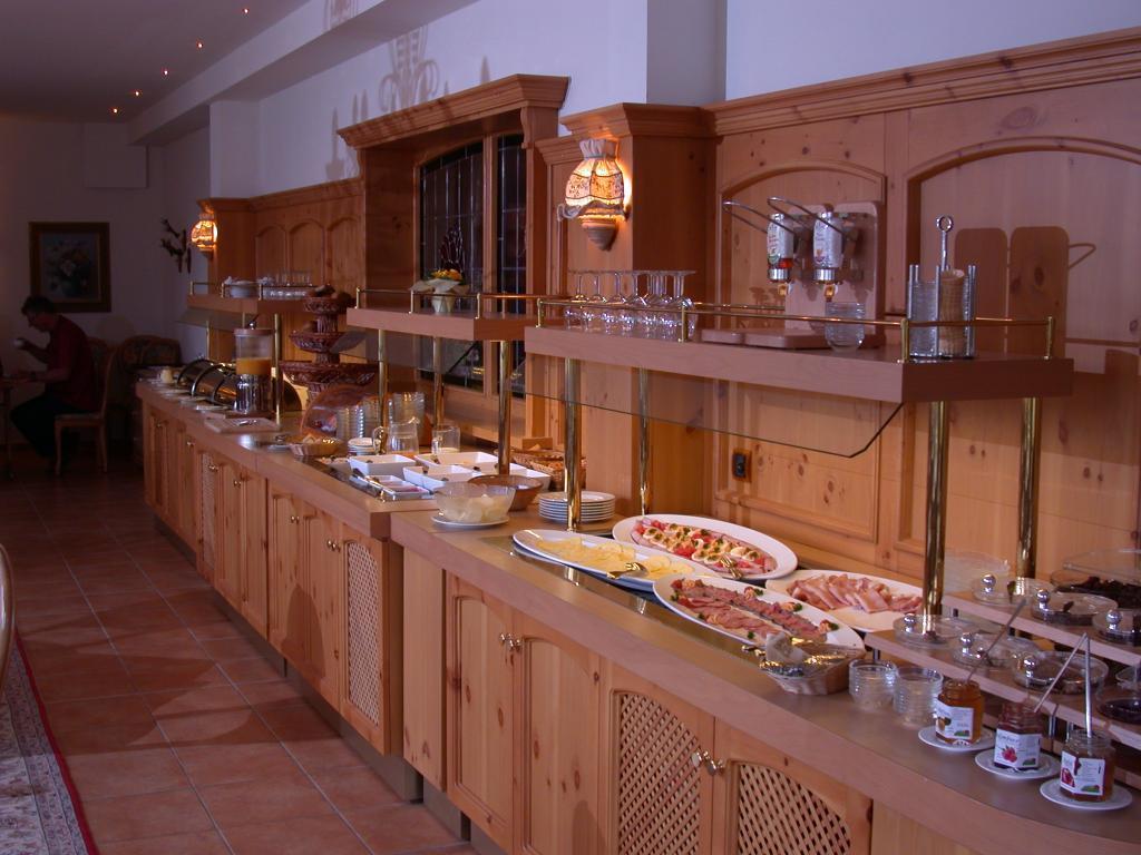 Büffet im Hotel Mügge am Iberg, Oerlinghausen