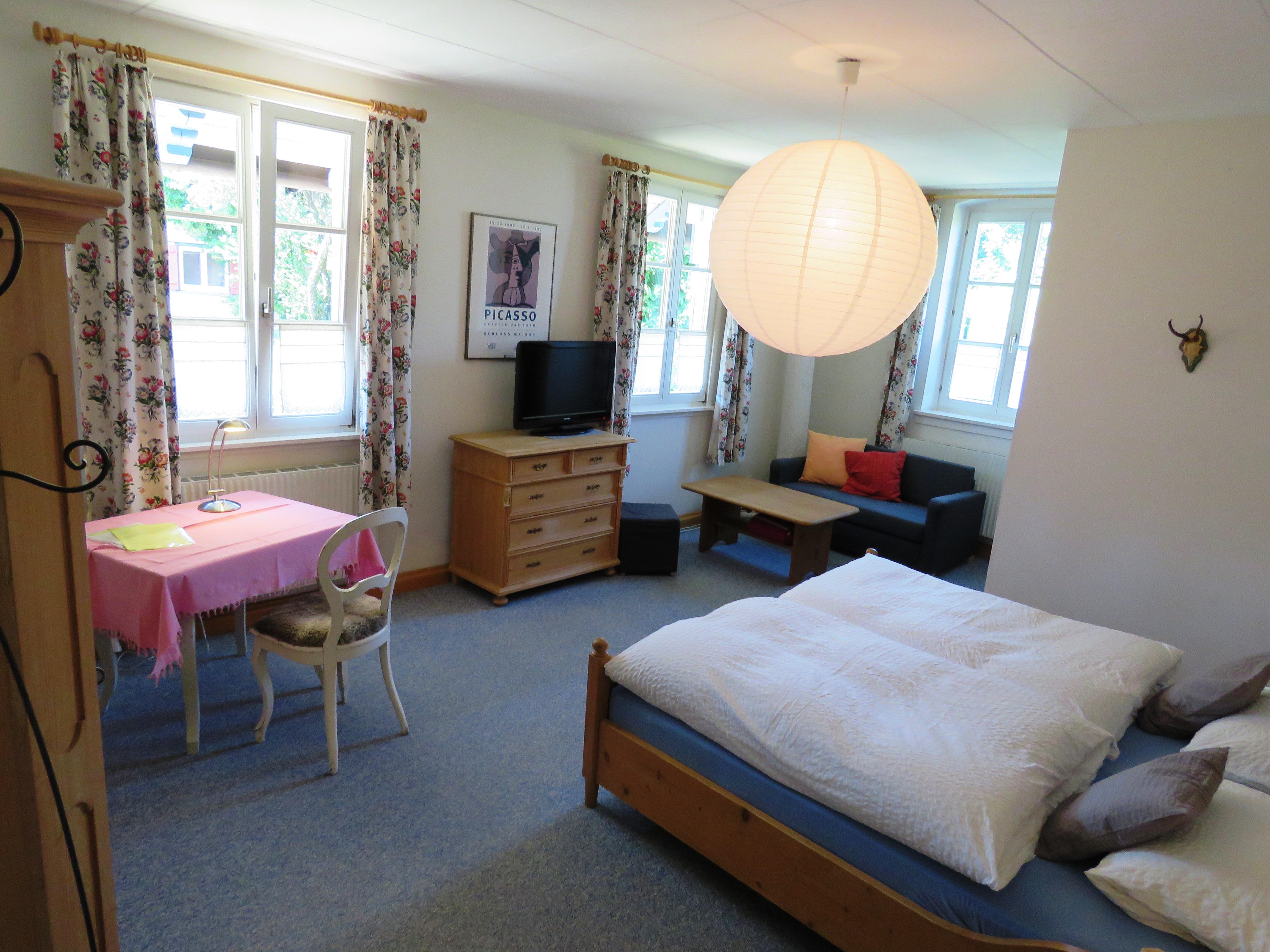 Zimmer 2, Doppelzimmer mit Dusche und WC