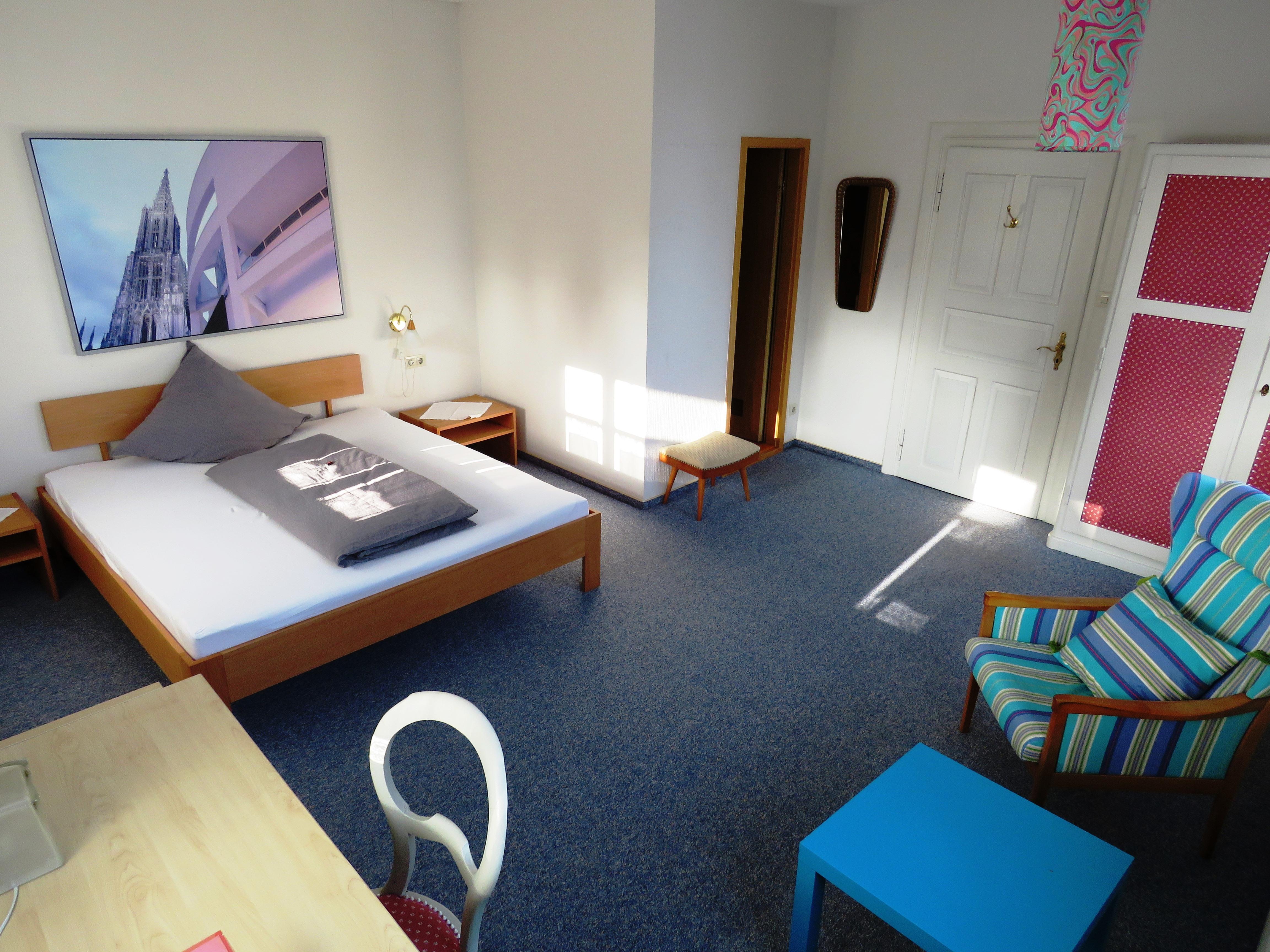 Zimmer 4, Doppelzimmer mit Dusche und WC