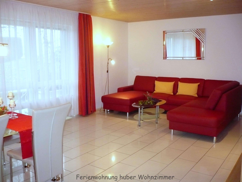 Ferienwohnung Huber, Wohn- und Esszimmer