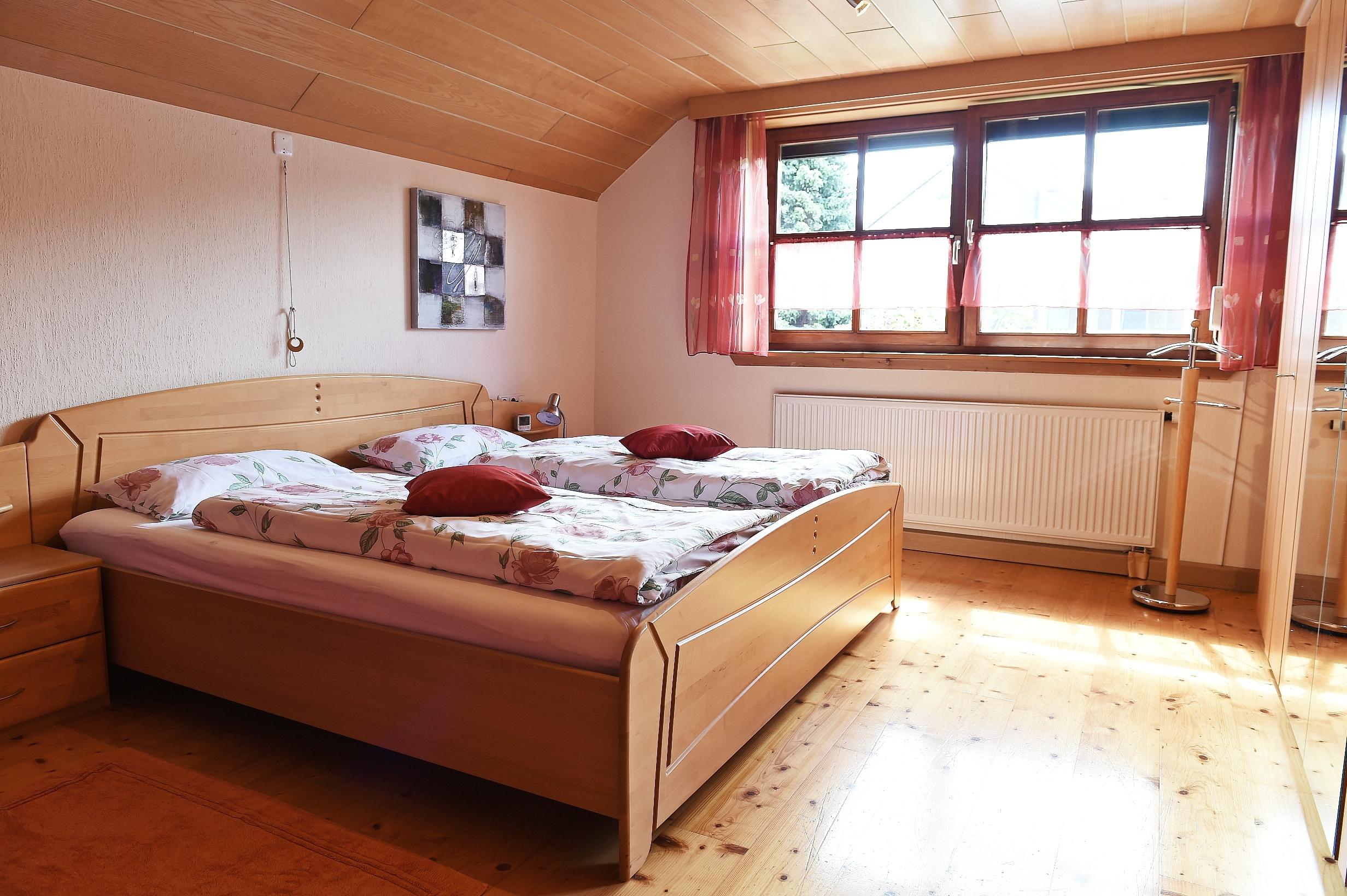 Ferienwohnung Walser, Schlafzimmer 1