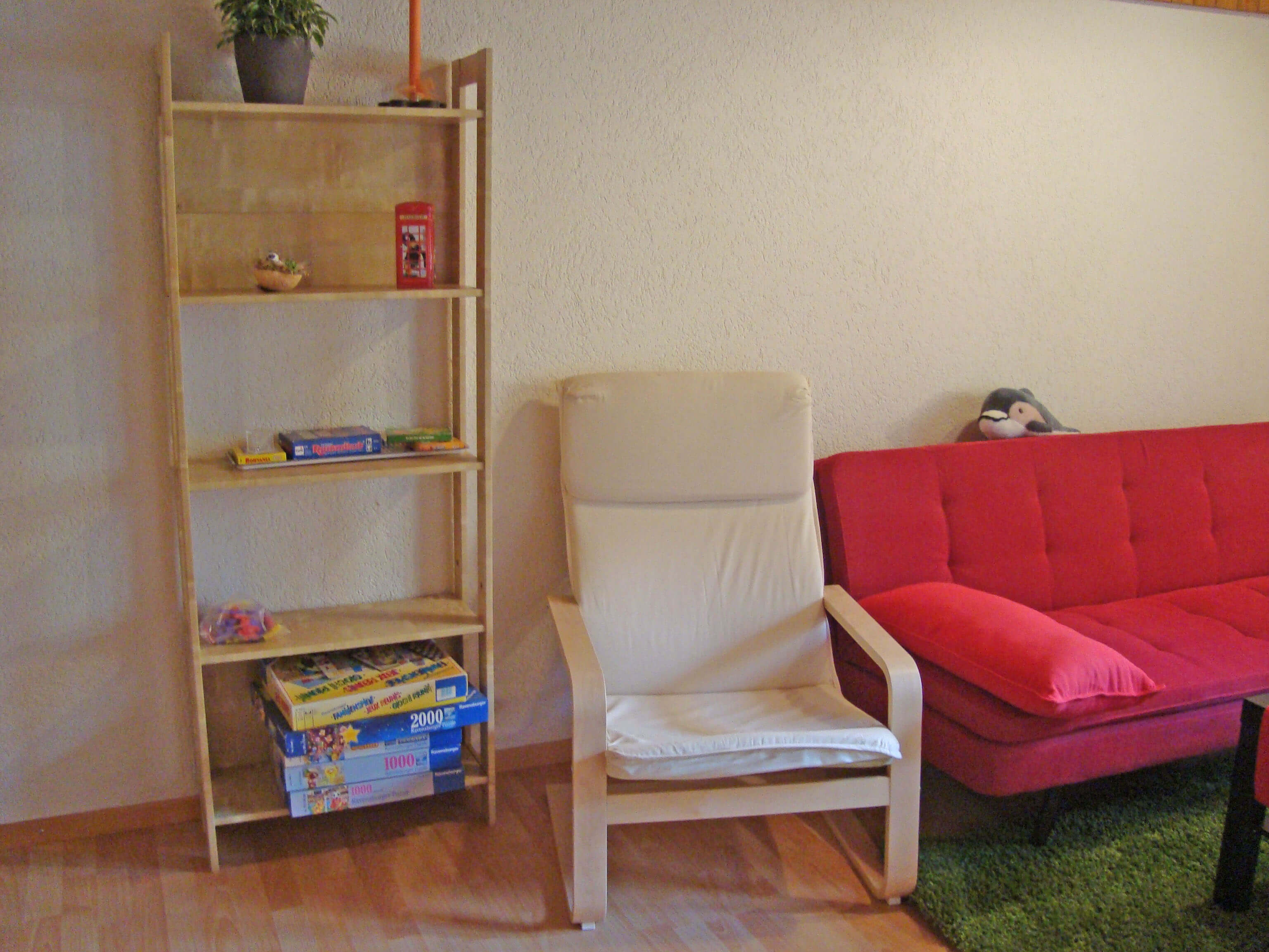 Wohnzimmer Bücherregal Gesellschaftsspiele