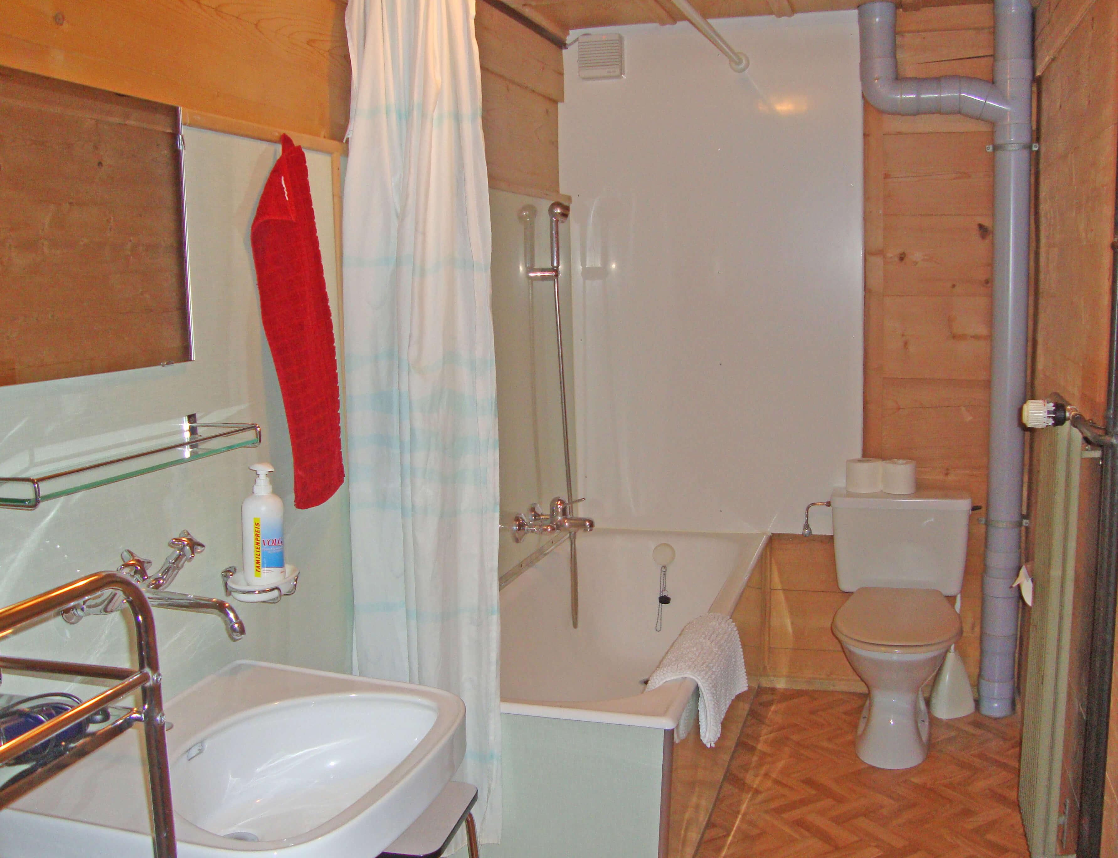 Badezimmer Badewanne Haus Wyss