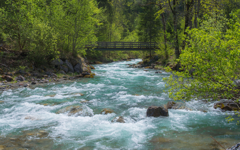 Eine der elf Brücken des Talwanderwegs