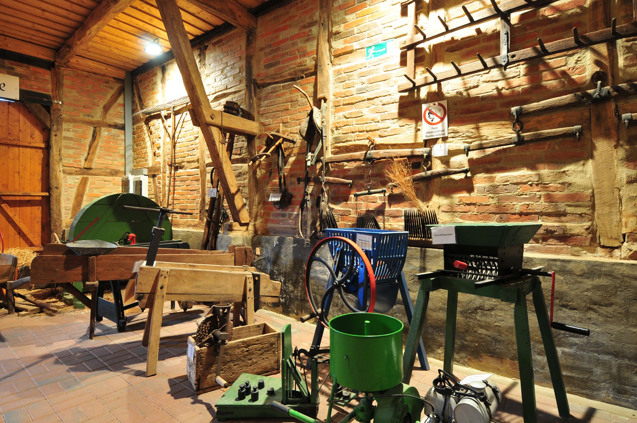 Ausstellungsscheune im Museum im Dorf Lüben