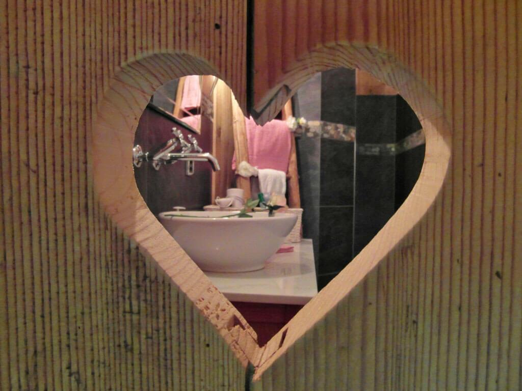 Details Badezimmer Herz